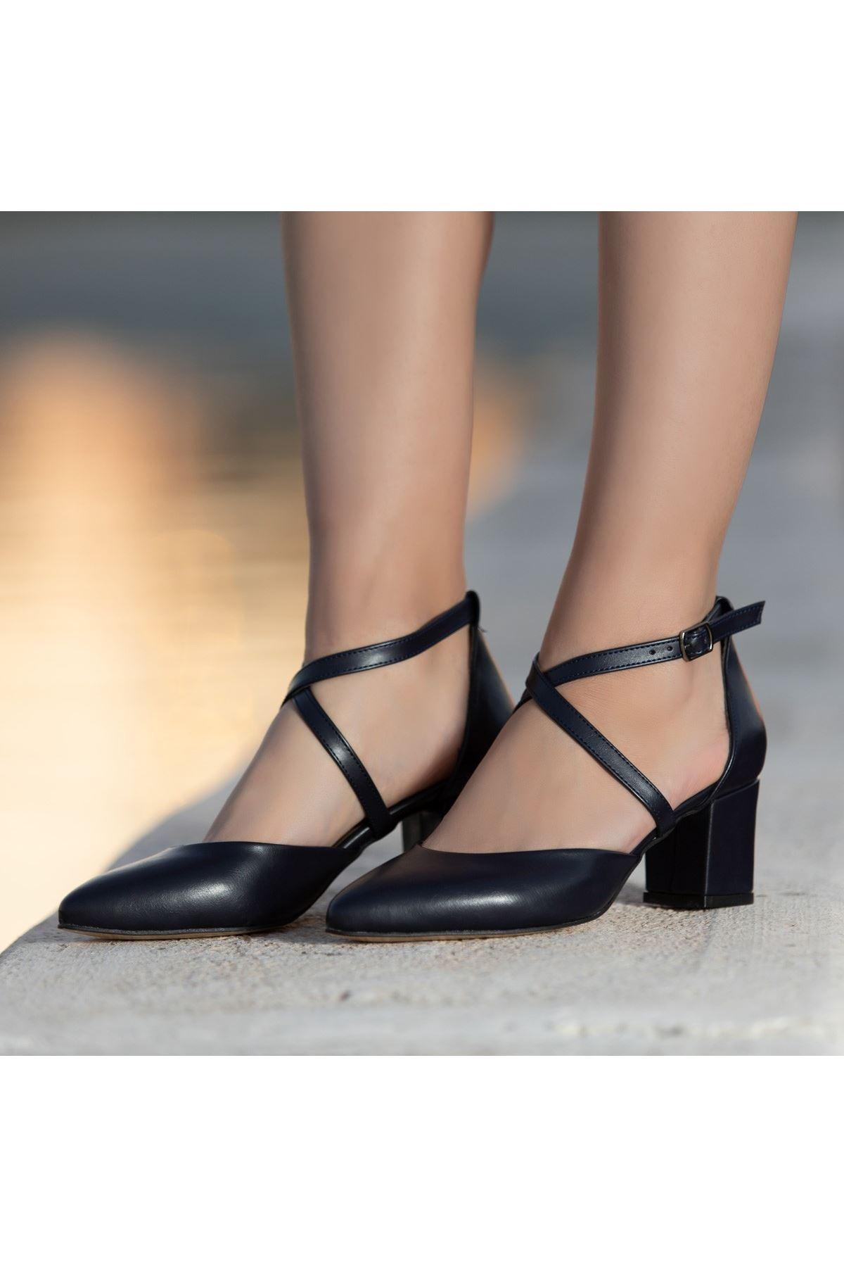 Olla Lacivert Cilt Topuklu Ayakkabı