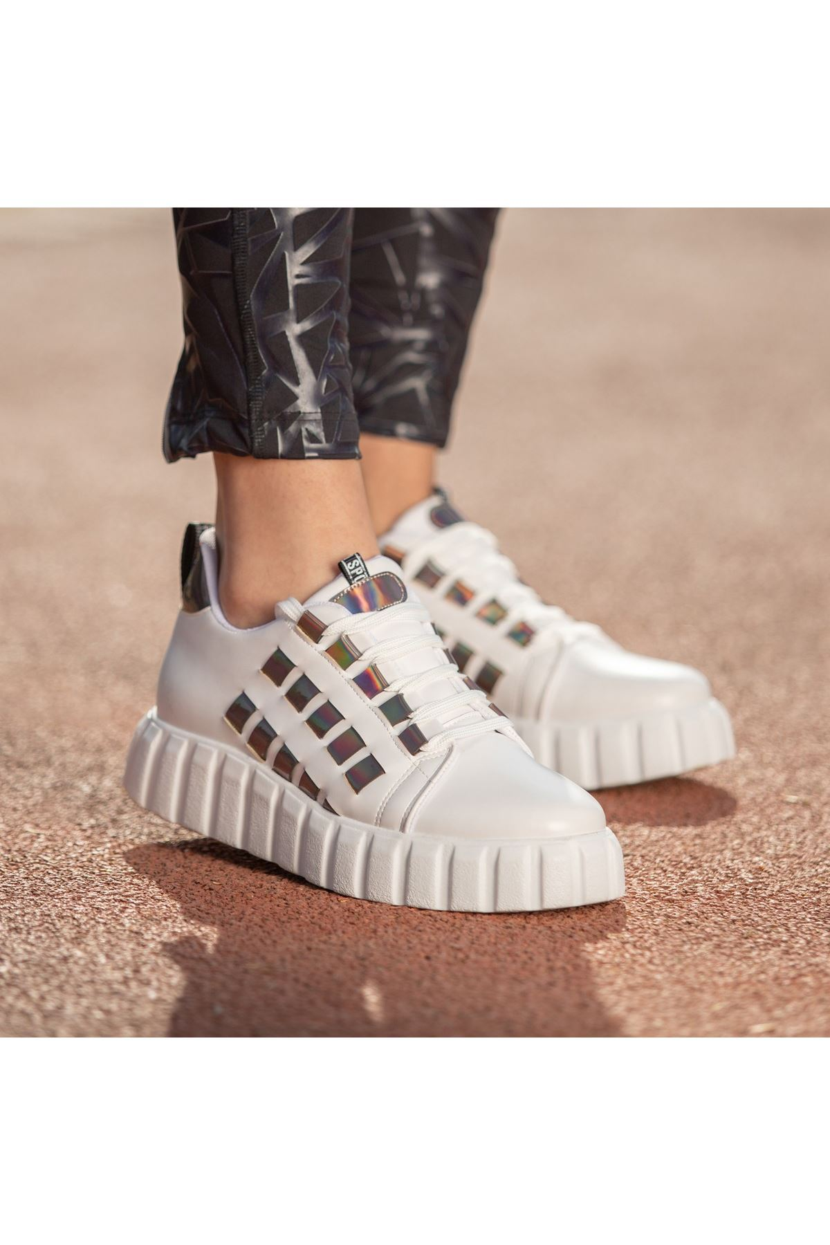Mitn Beyaz Cilt Bağcıklı Spor Ayakkabı