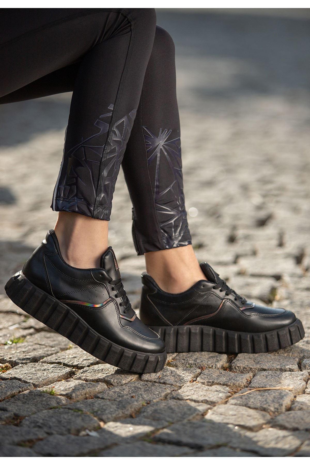 Oris Siyah Cilt Bağcıklı Spor Ayakkabı