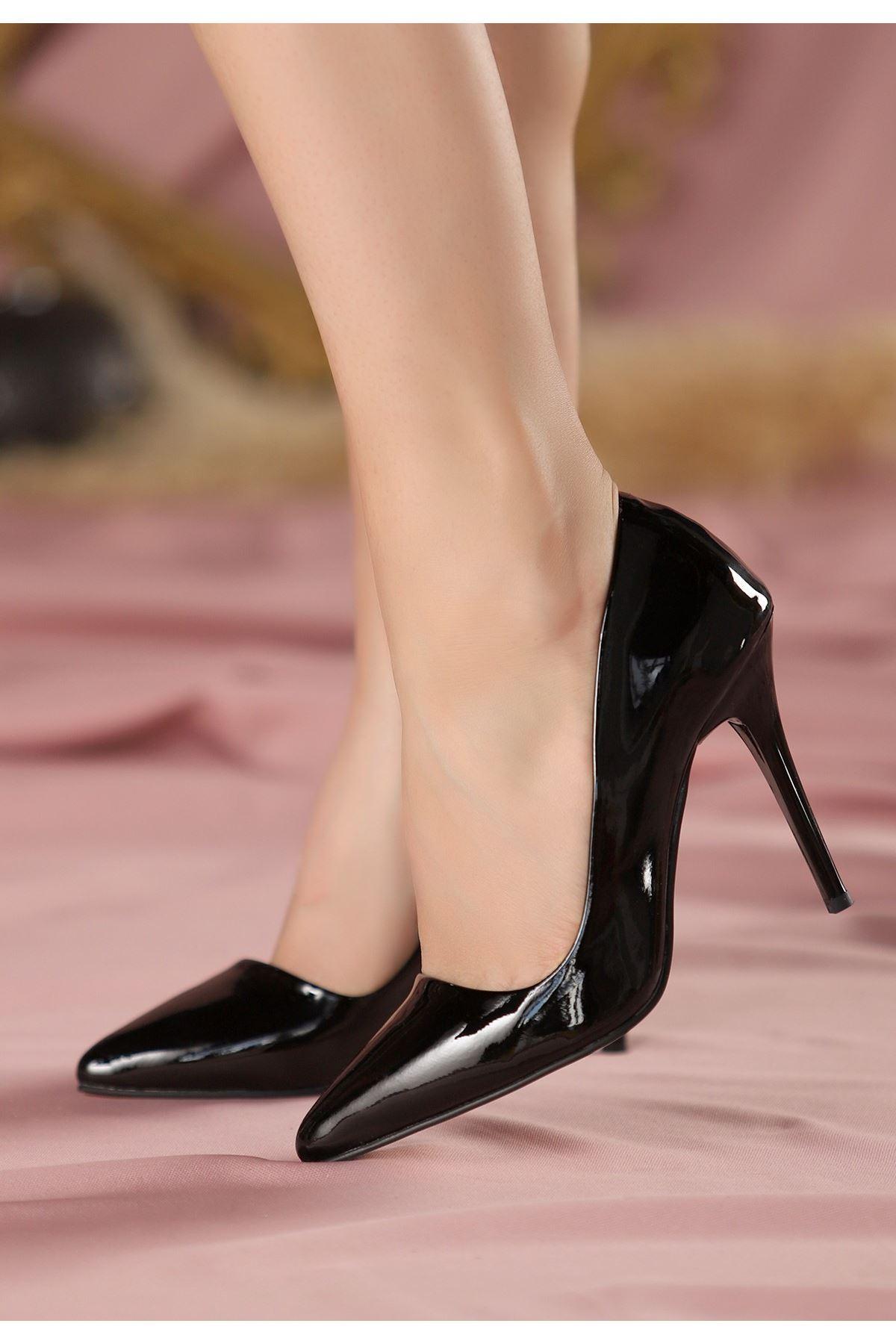 Reme Siyah Rugan Stiletto Ayakkabı