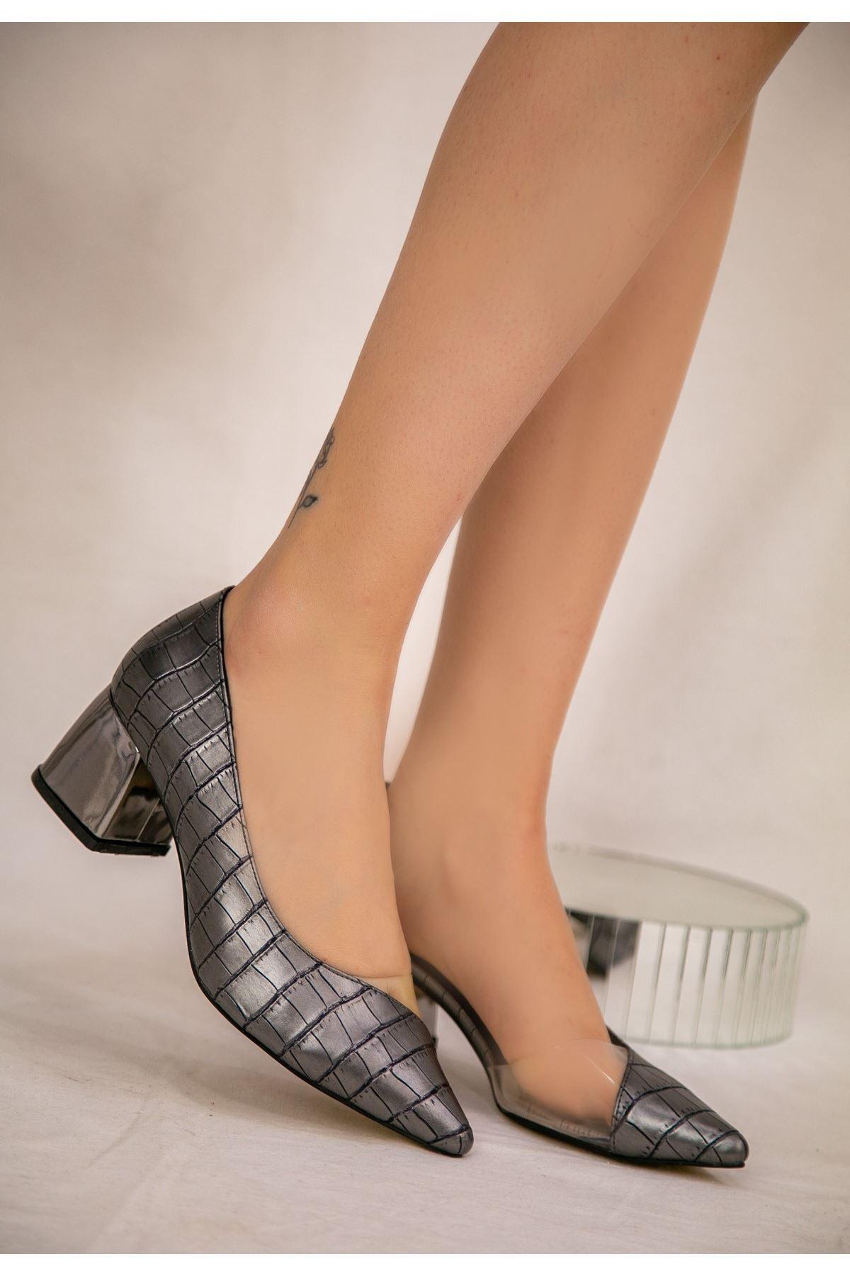 Tica Platin Cilt Desenli Topuklu Ayakkabı