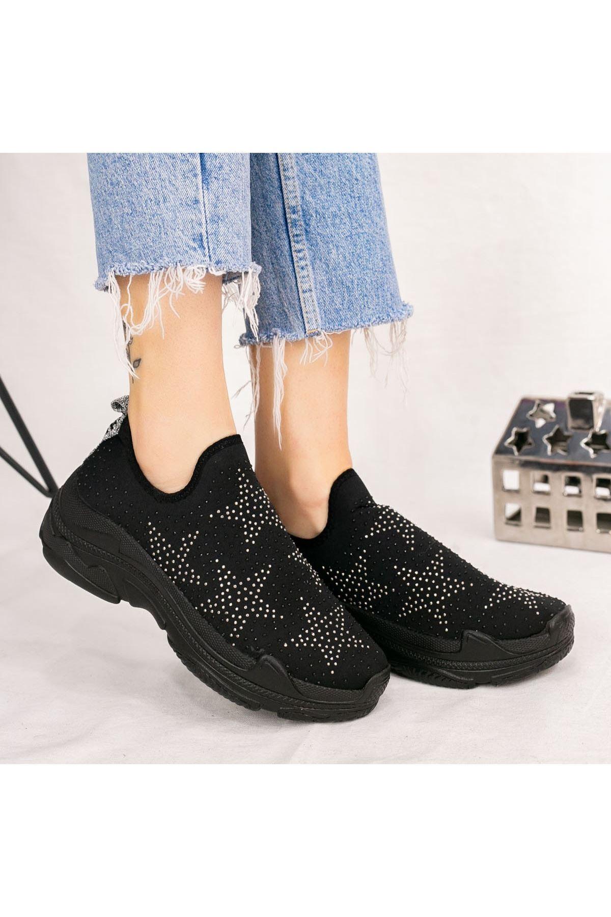 Peun Siyah Yıldız Boncuk İşlemeli Spor Ayakkabı