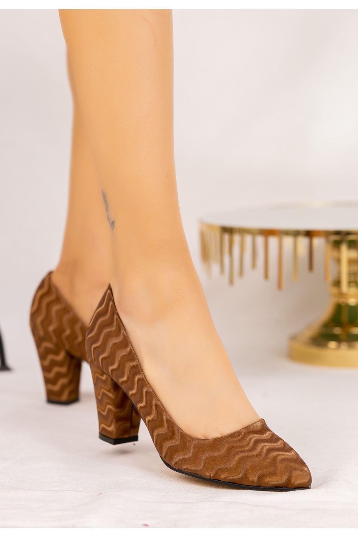Mior Taba Süet Desenli Topuklu Ayakkabı