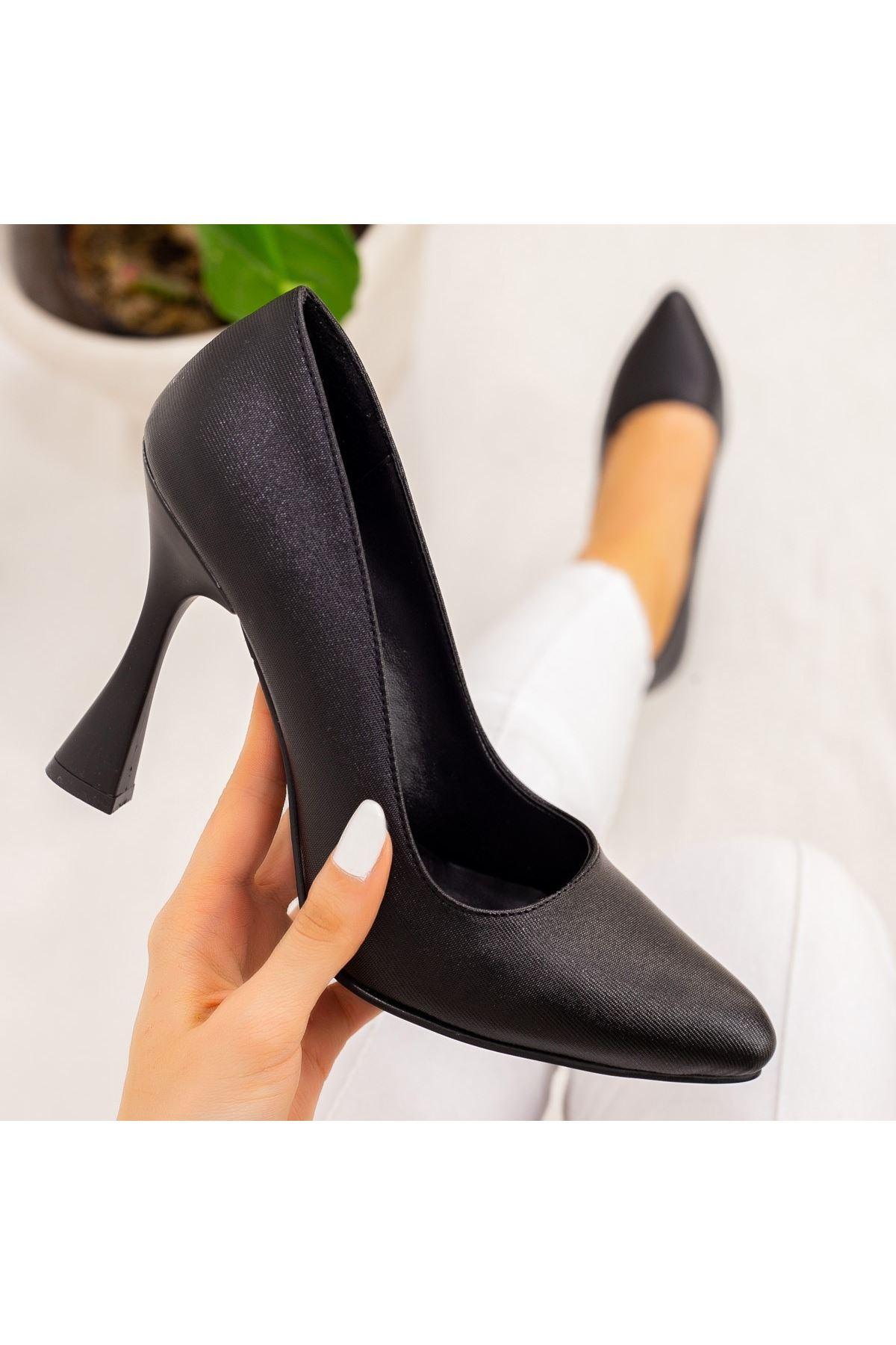 Vıko Siyah Cilt Topuklu Ayakkabı