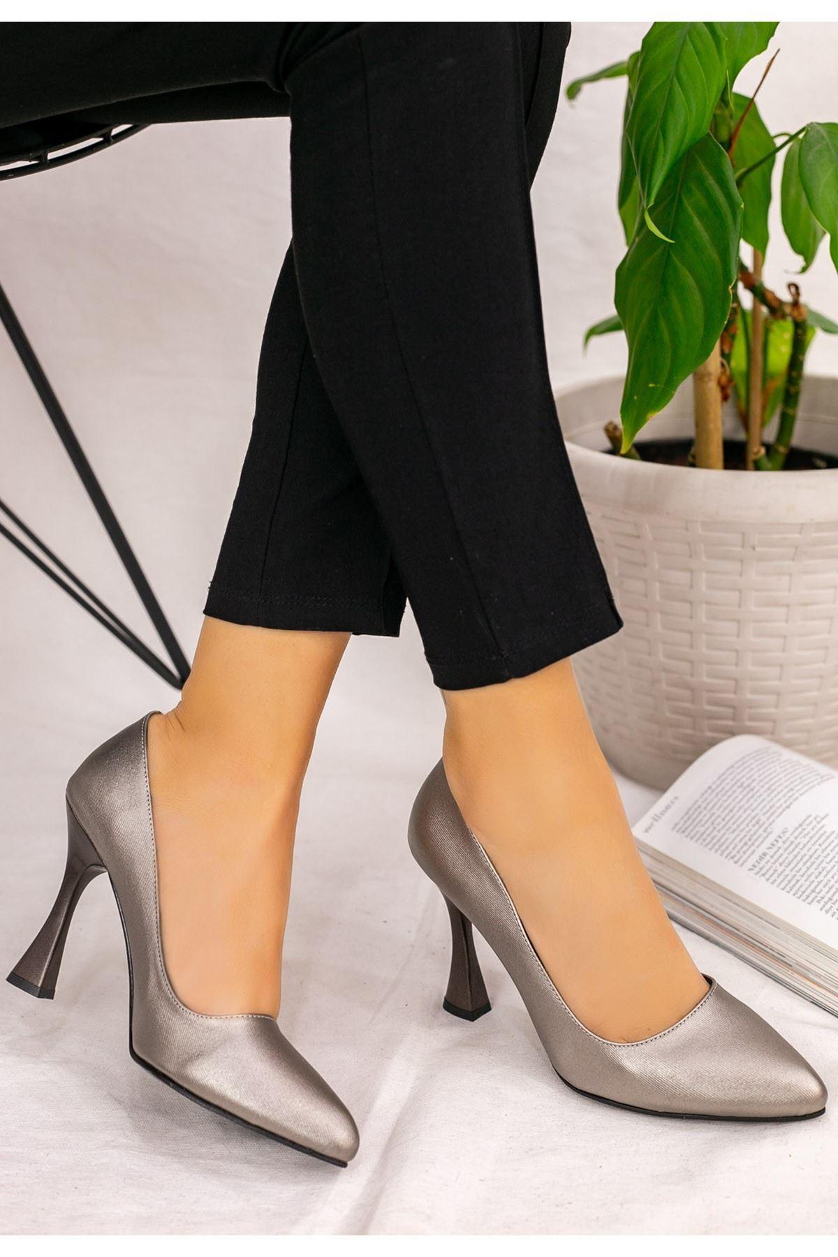 Vıko Platin Cilt Topuklu Ayakkabı