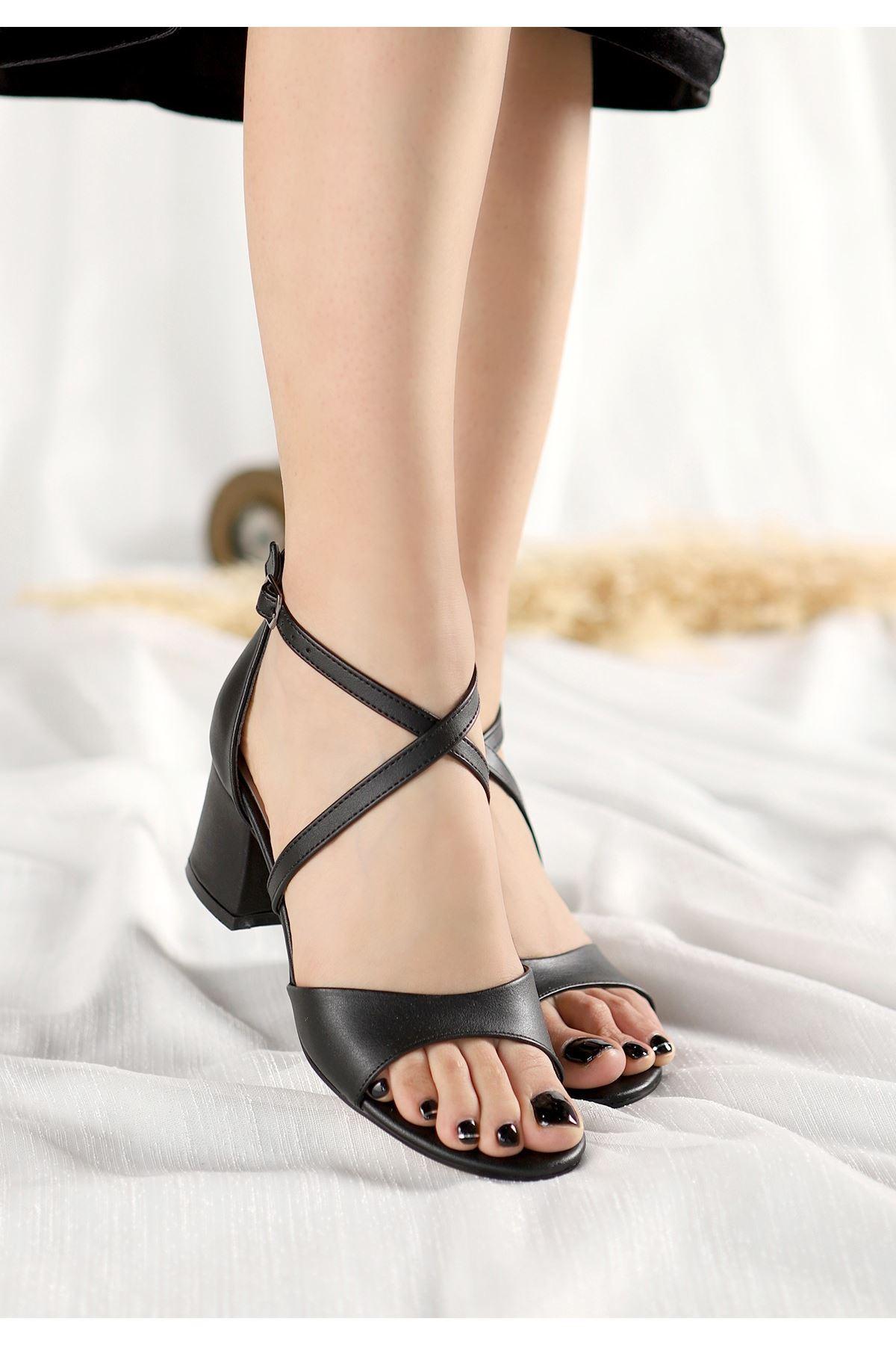 Juor Siyah Cilt Topuklu Ayakkabı