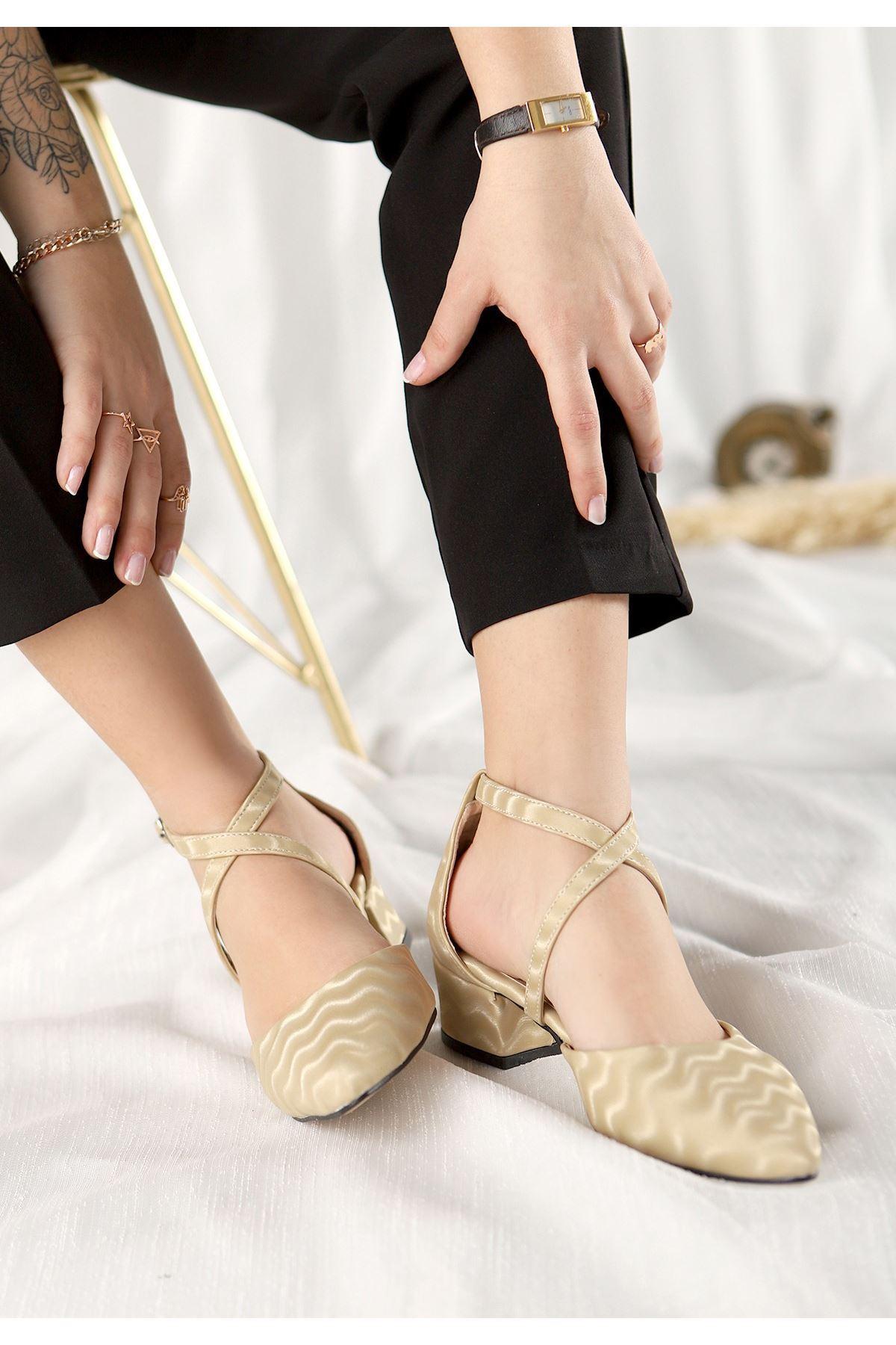 Toju Krem Süet Desenli Topuklu Ayakkabı