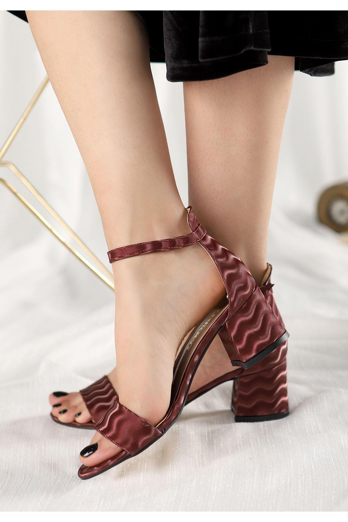 Epon Bordo Süet Desenli Tek Bant Topuklu Ayakkabı