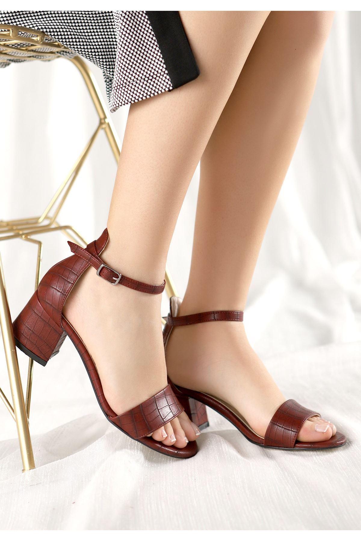 Epon Bordo Cilt Desenli Tek Bant Topuklu Ayakkabı