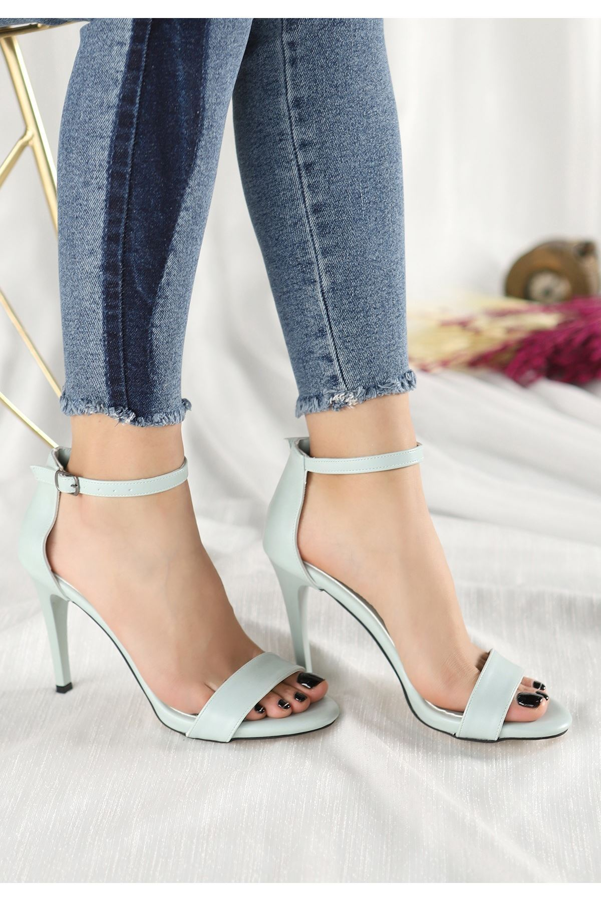 Tima Su Yeşili Cilt Topuklu Ayakkabı