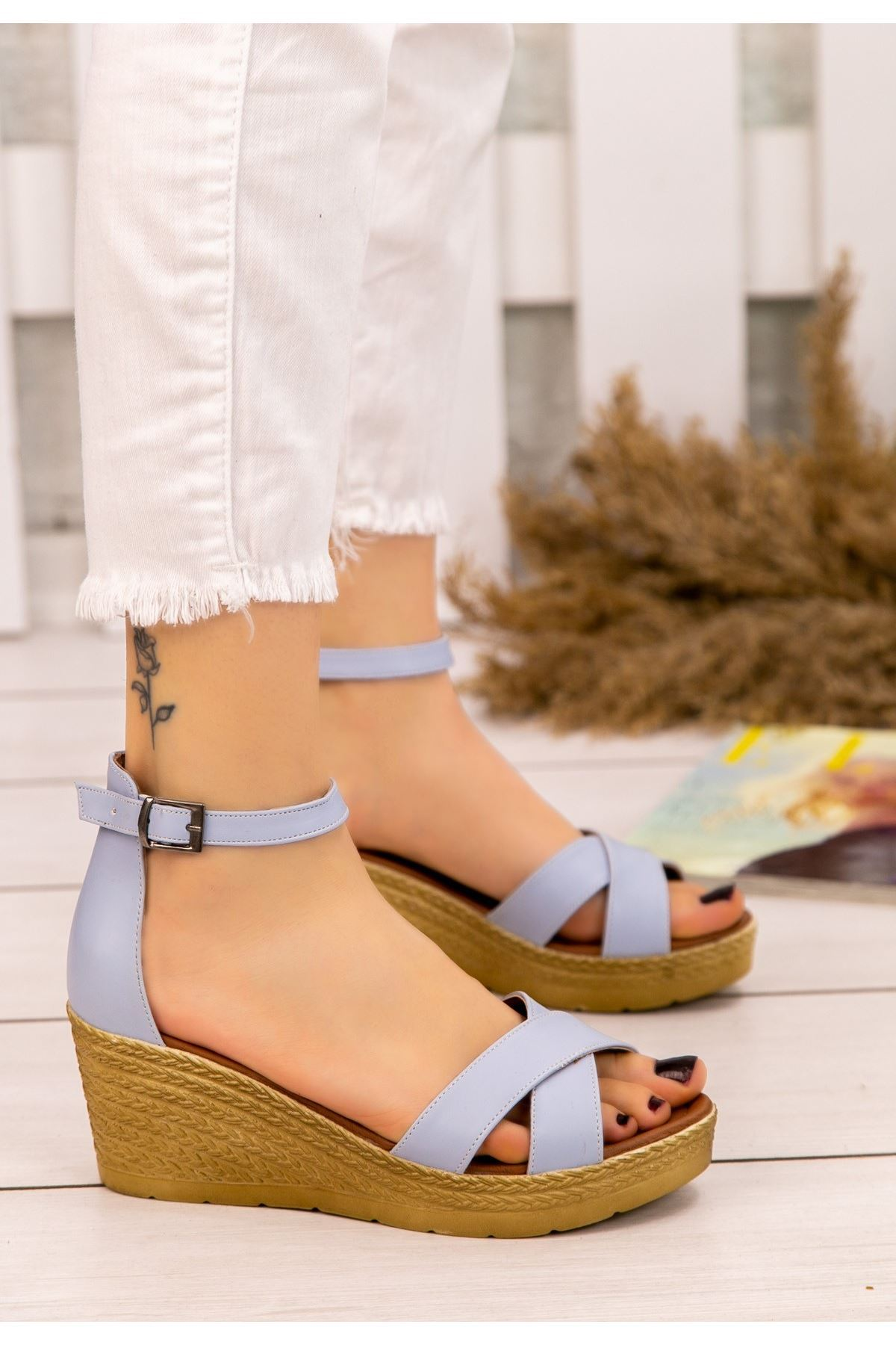 Ertu Bebe Mavisi Cilt Dolgu Topuk Sandalet