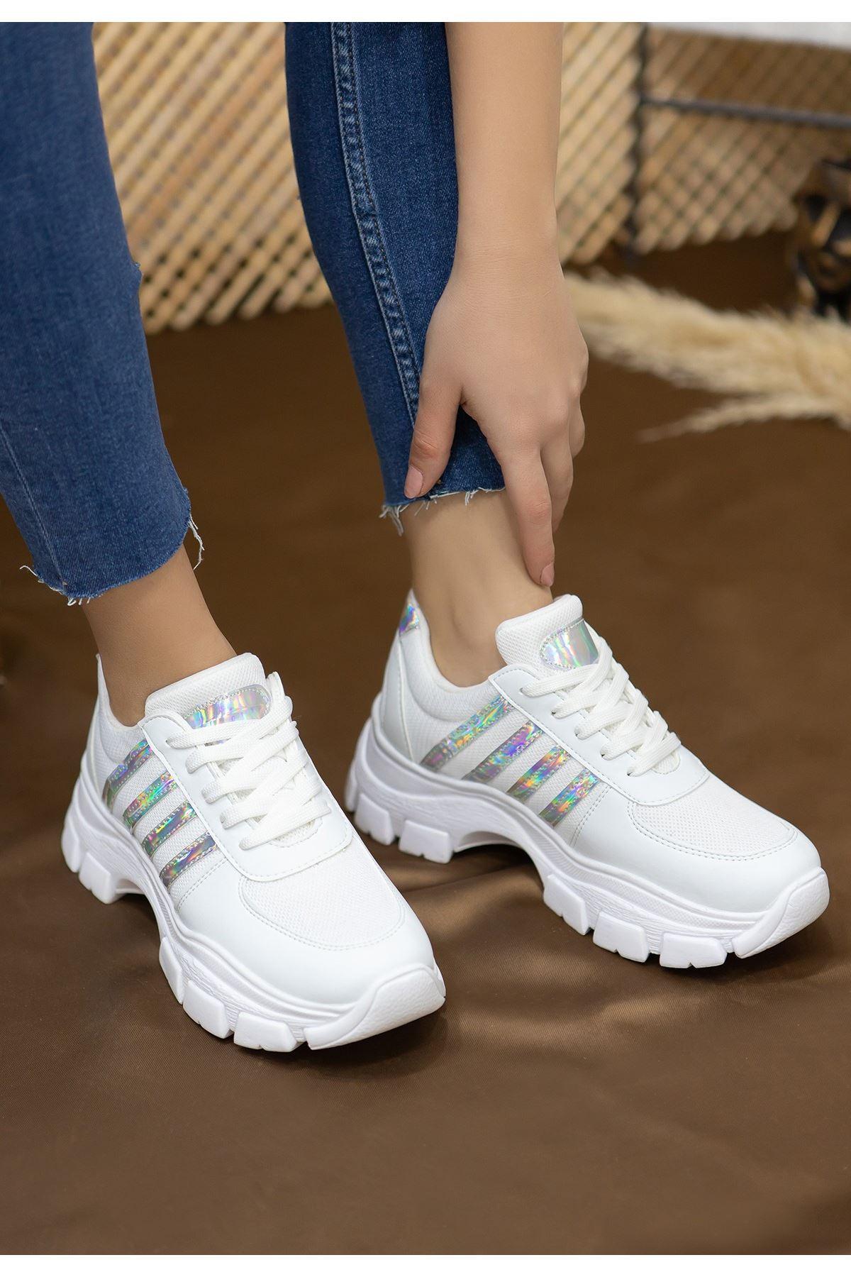 Feci Beyaz Cilt Bağcıklı Spor Ayakkabı
