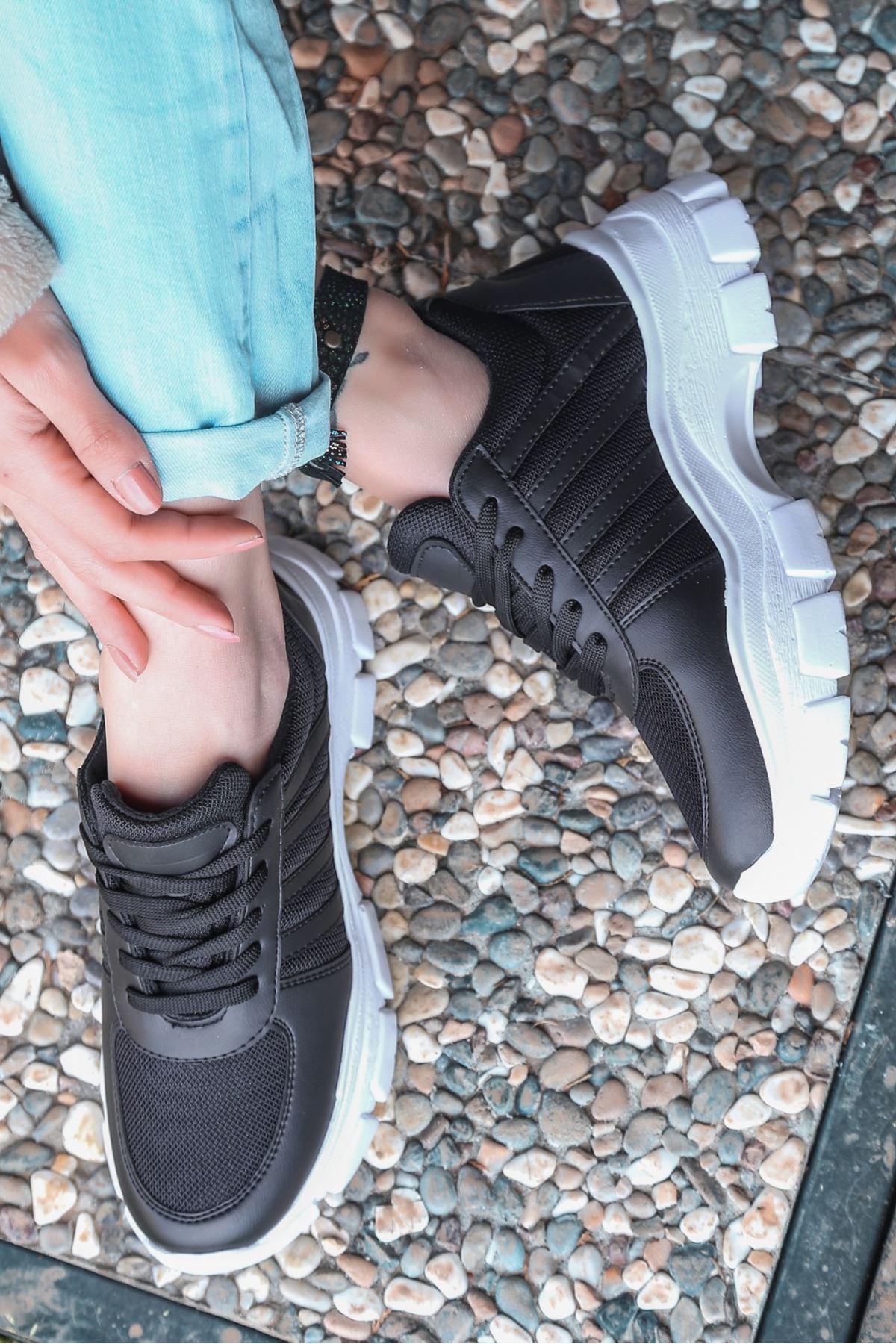 Feci Siyah Cilt Bağcıklı Fileli Beyaz Taban Spor Ayakkabı