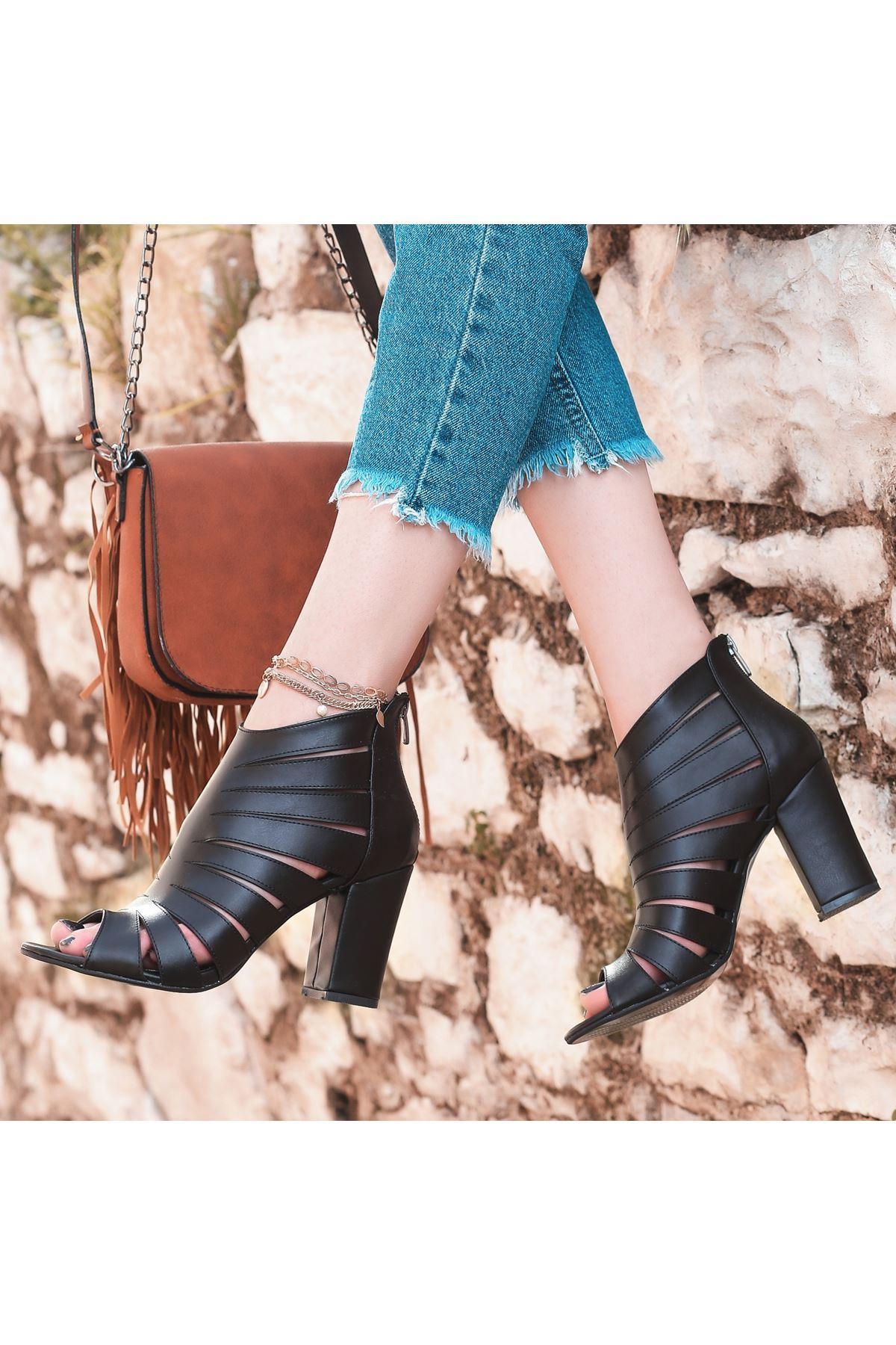 Berd Siyah Cilt Topuklu Ayakkabı