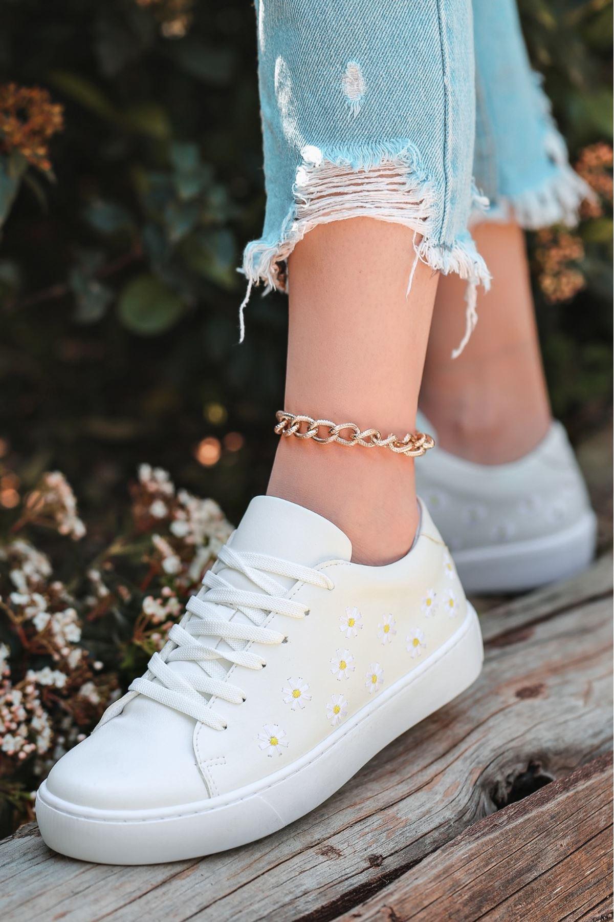 Utia Beyaz Cilt Bağcıklı Spor Ayakkabı