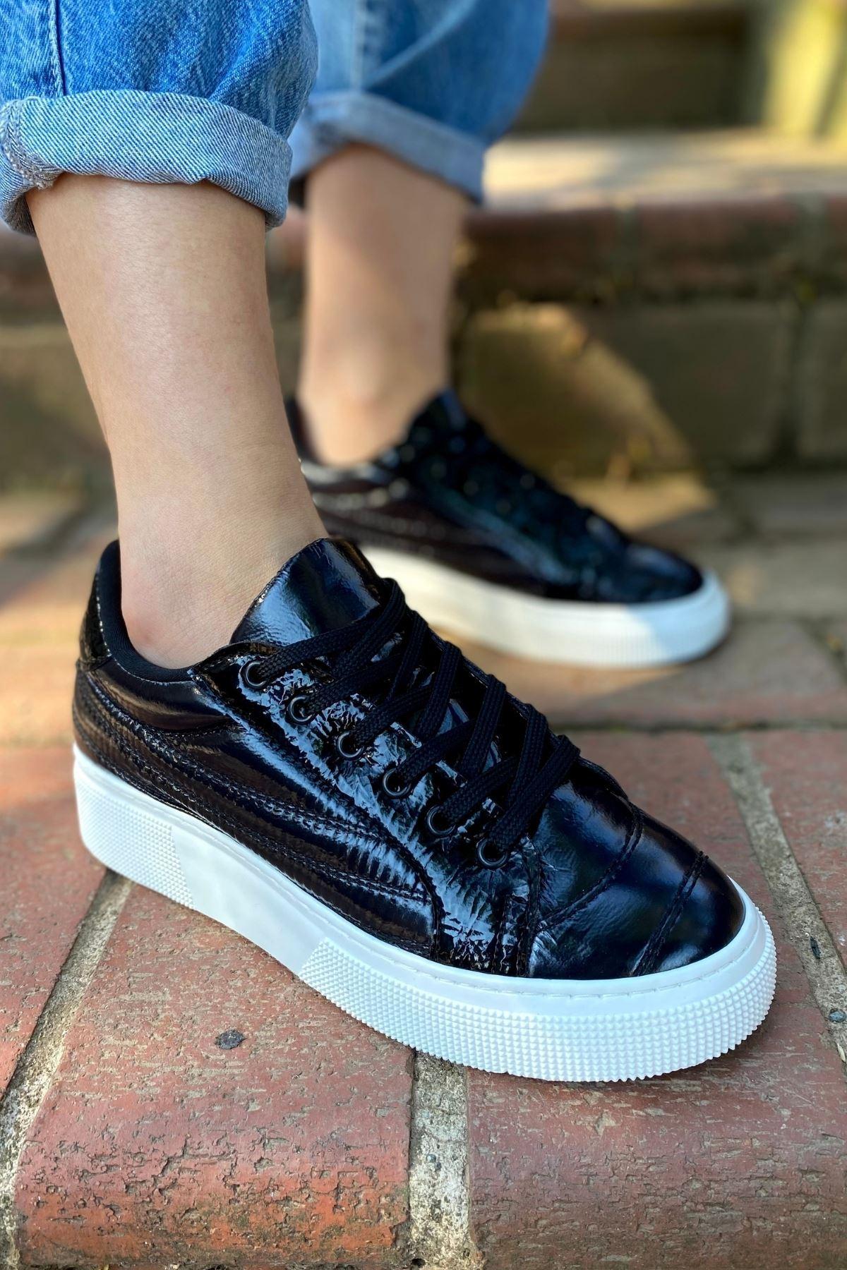 Zendo Siyah Paraşüt Kapitone Sneaker