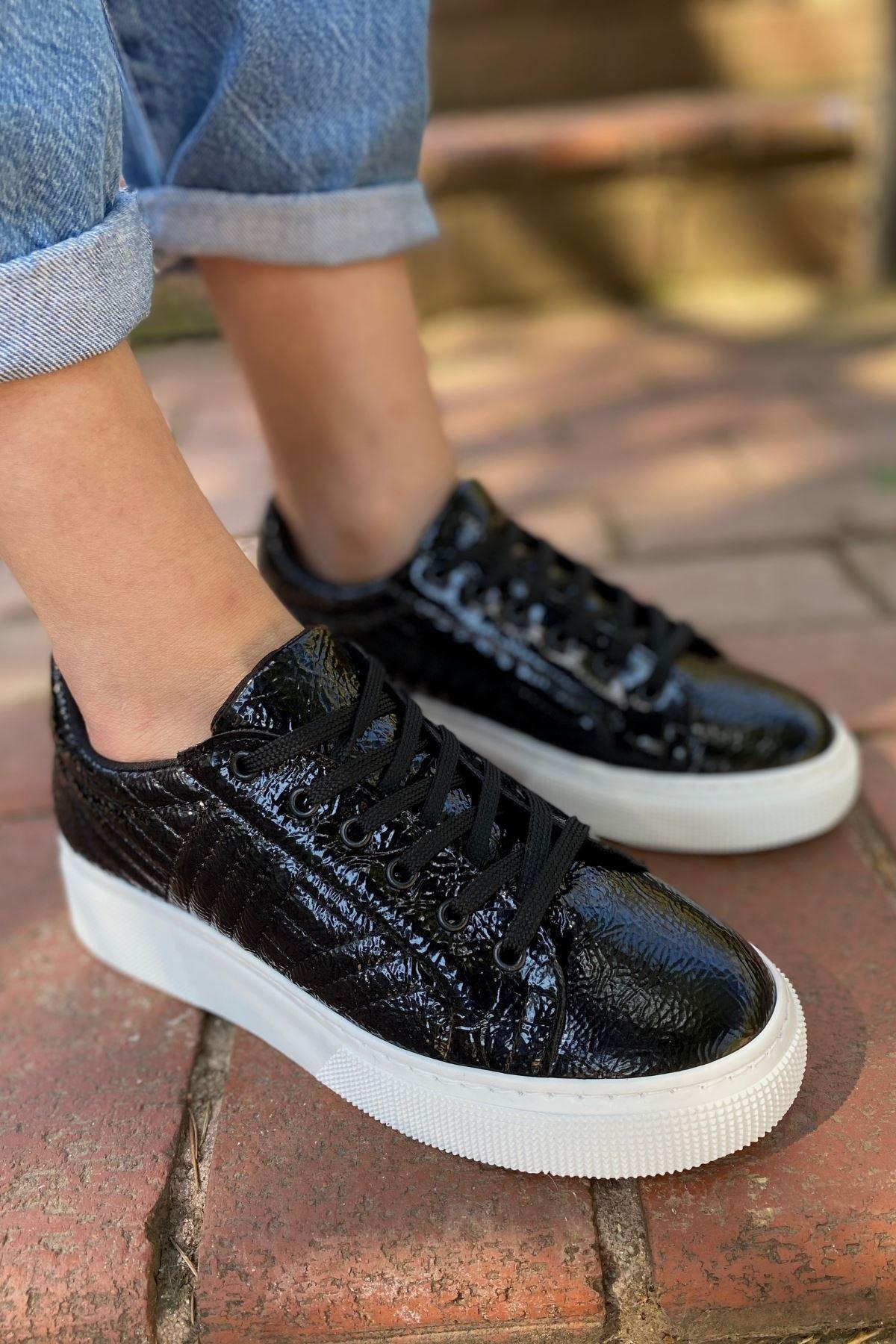 Forte Siyah Rugan Kırışık Kapitone Sneaker