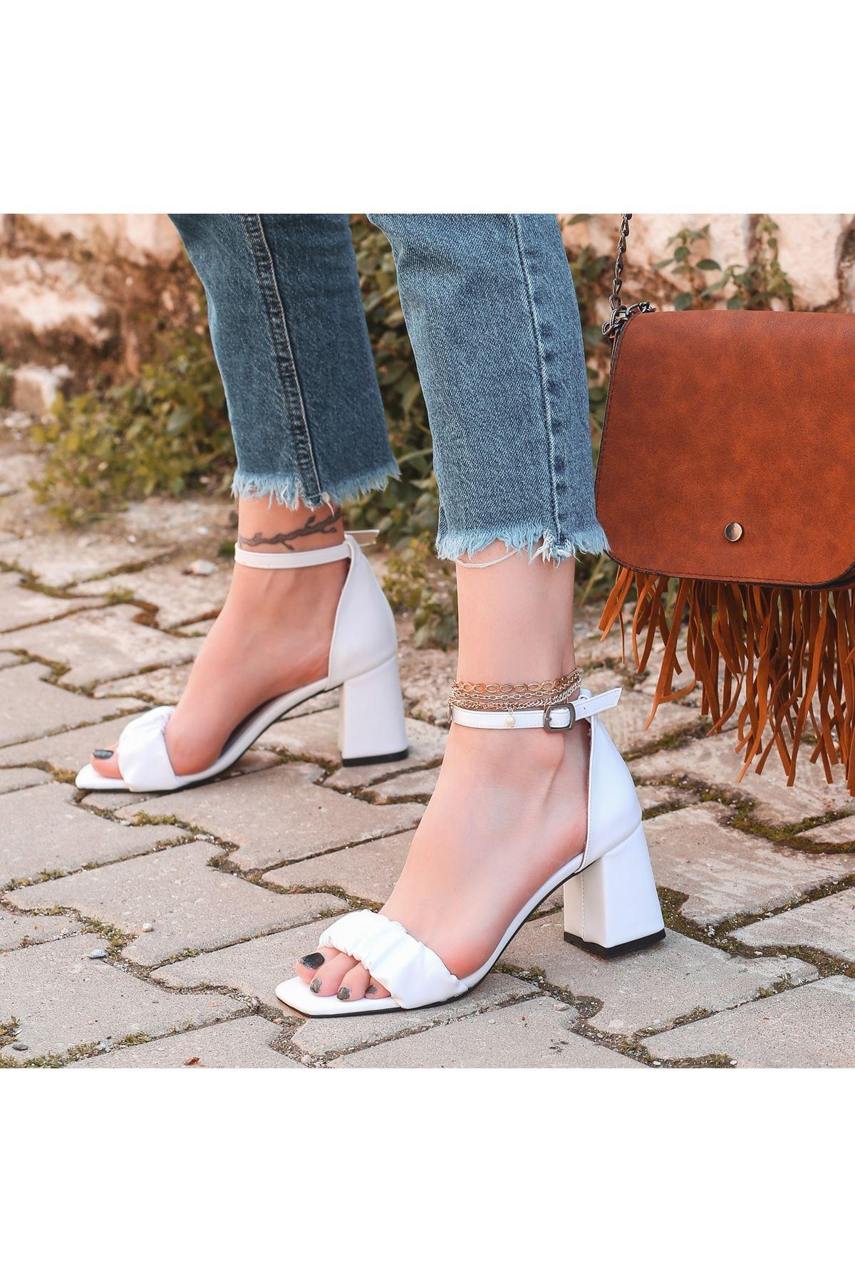 Garn Beyaz Cilt Topuklu Ayakkabı