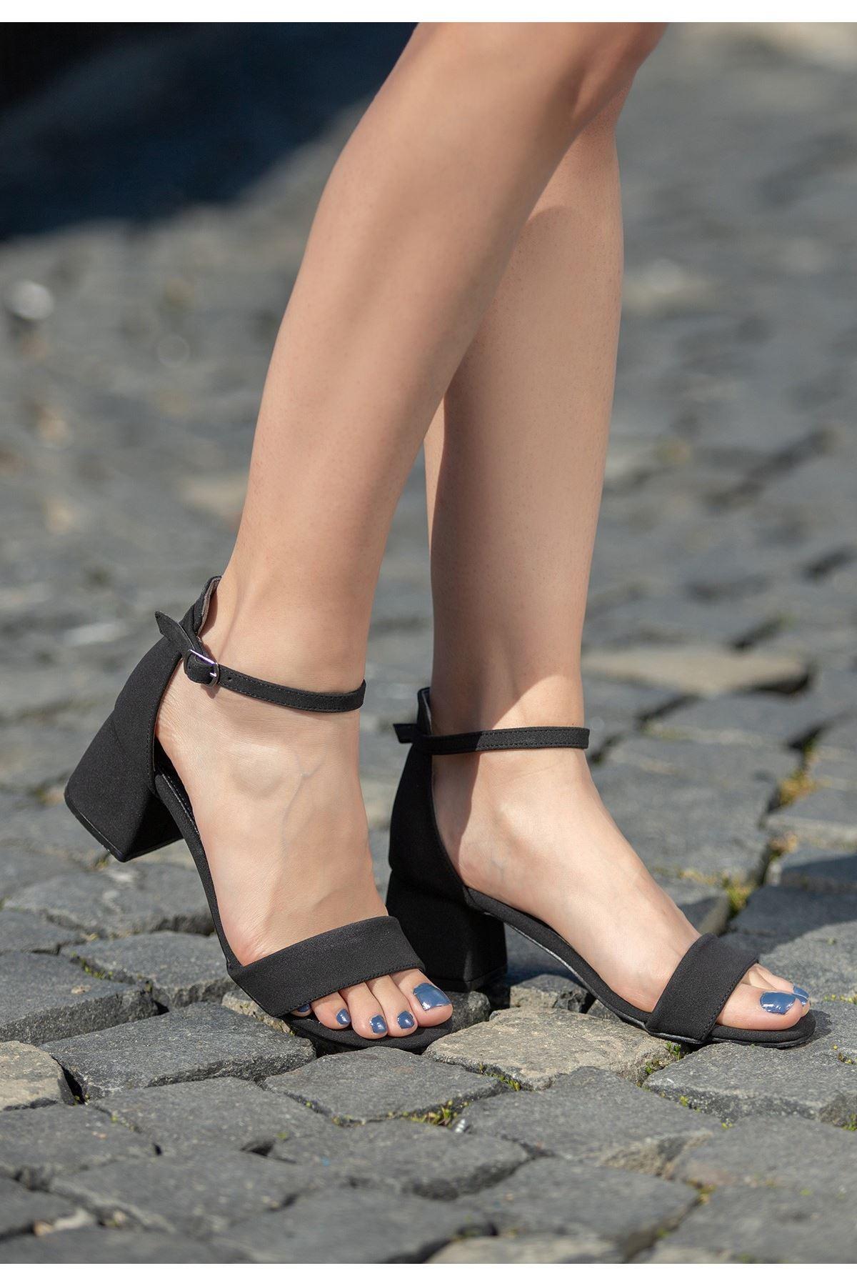 Epon Siyah Nubuk Tek Bant Topuklu Ayakkabı