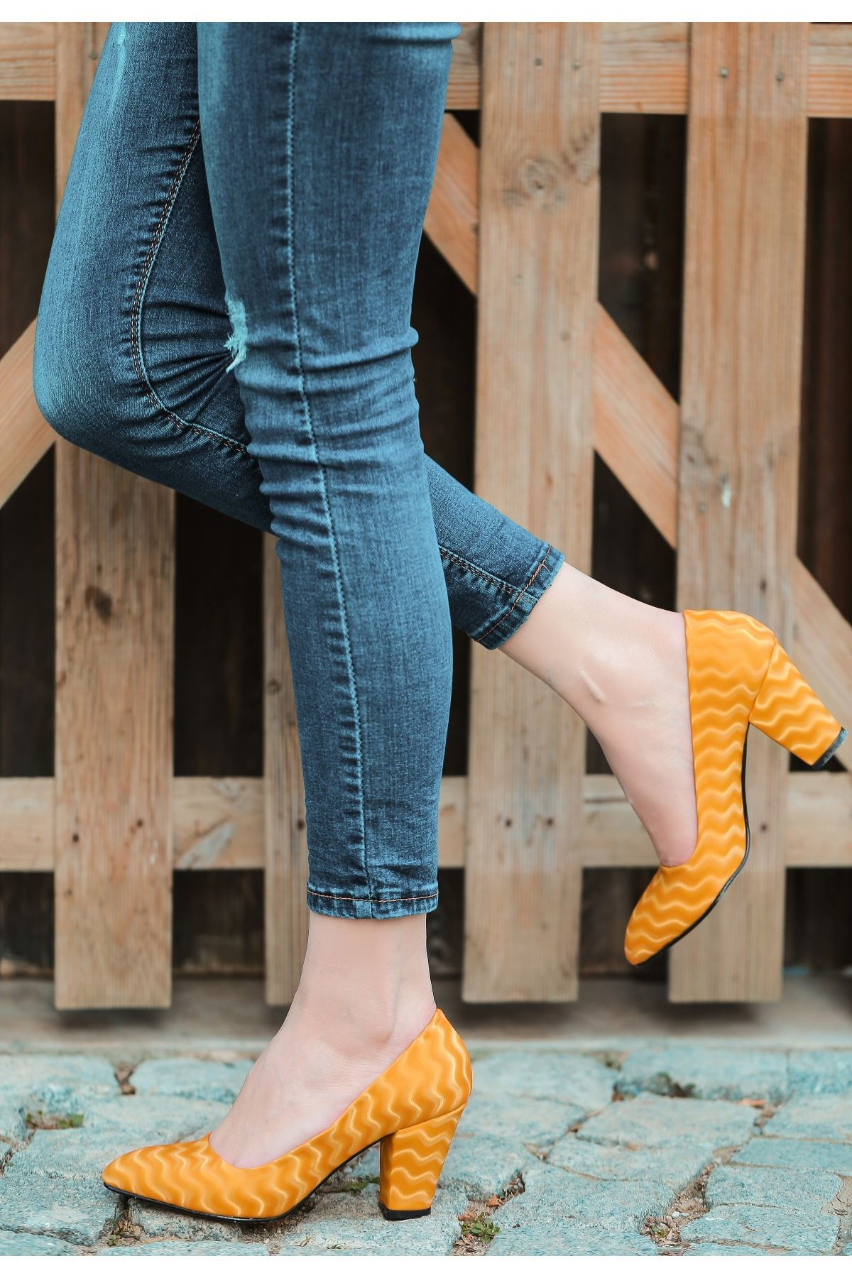 Mior Hardal Süet Desenli Topuklu Ayakkabı