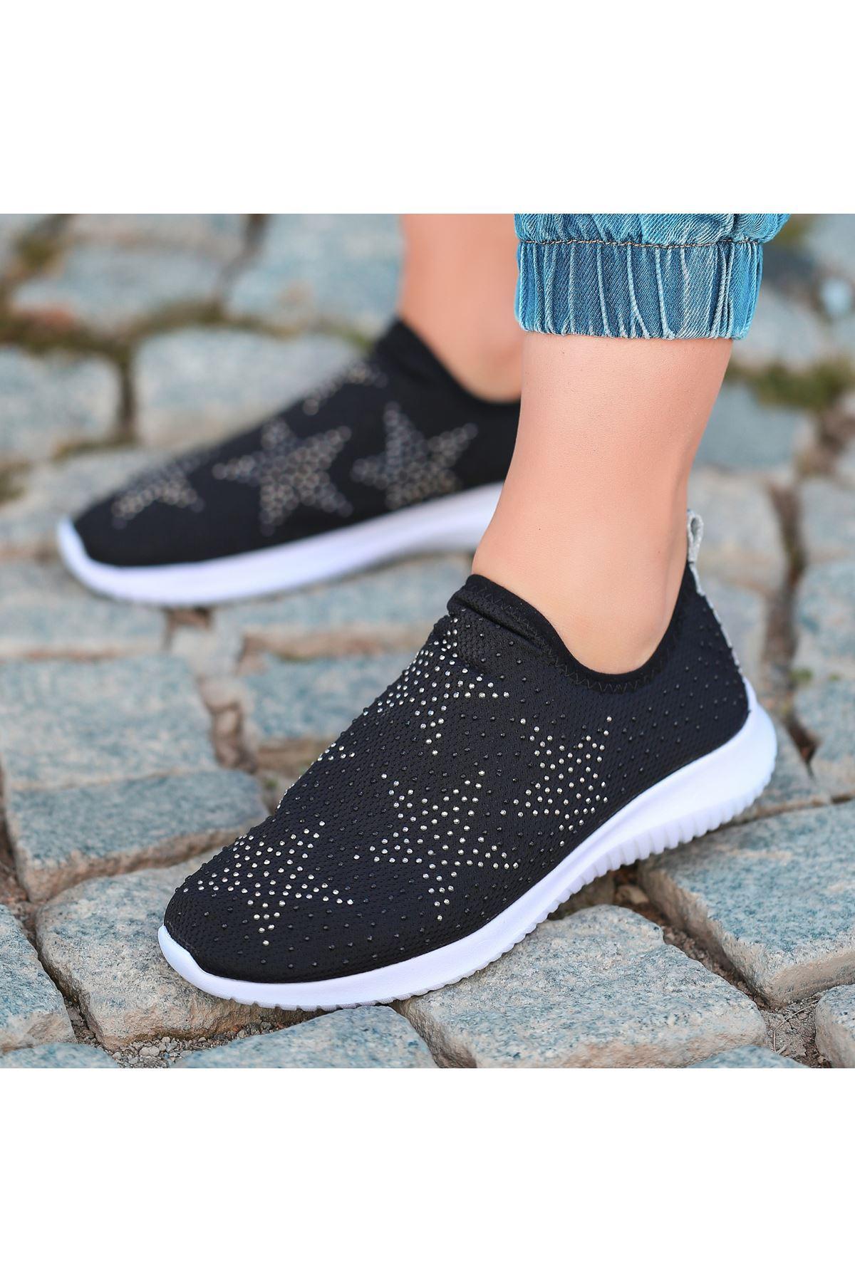Stin Siyah Yıldızlı Boncuk İşlemeli Spor Ayakkabı