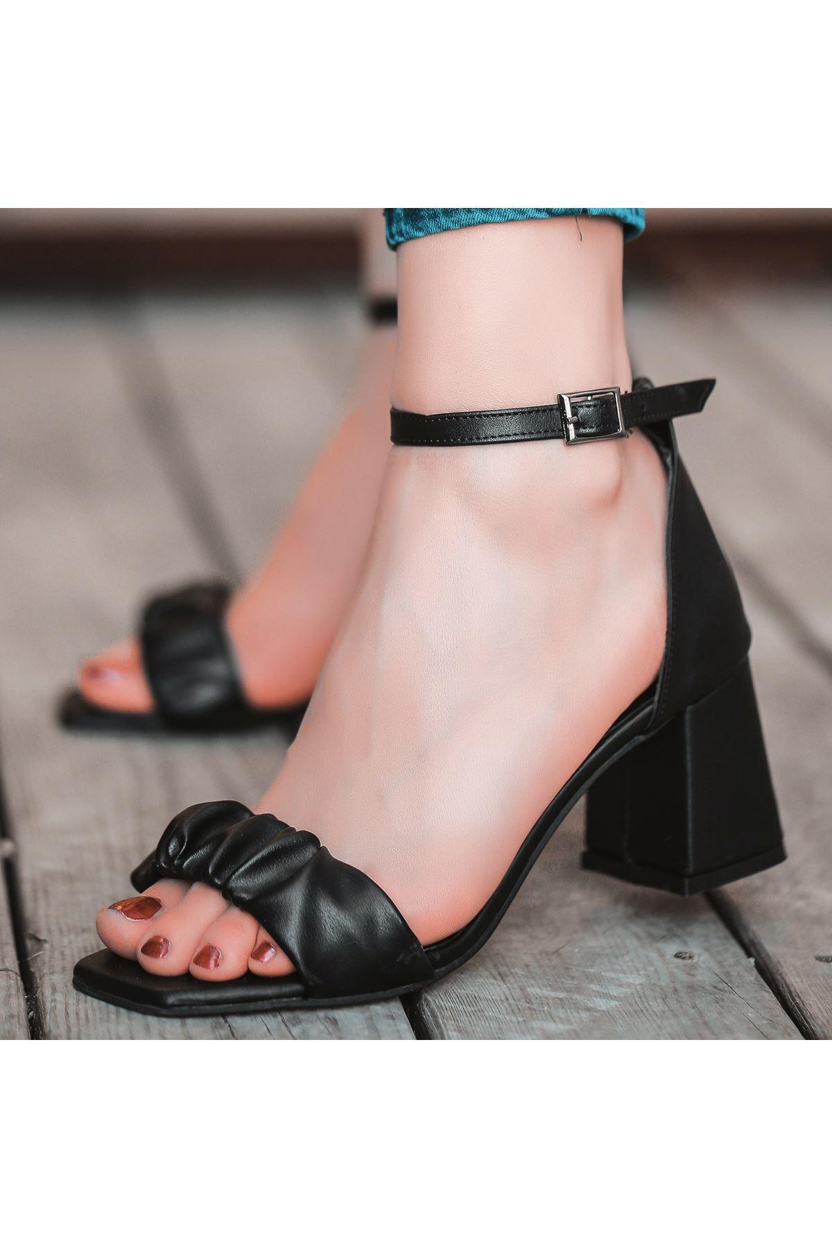 Garn Siyah Cilt Topuklu Ayakkabı