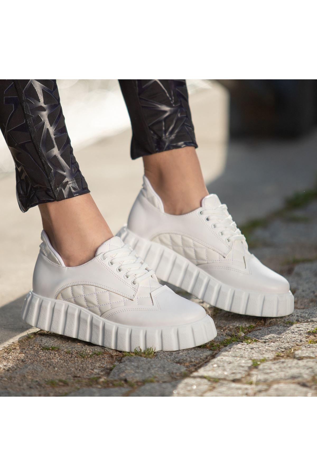 Ola Beyaz Cilt Bağcıklı Spor Ayakkabı