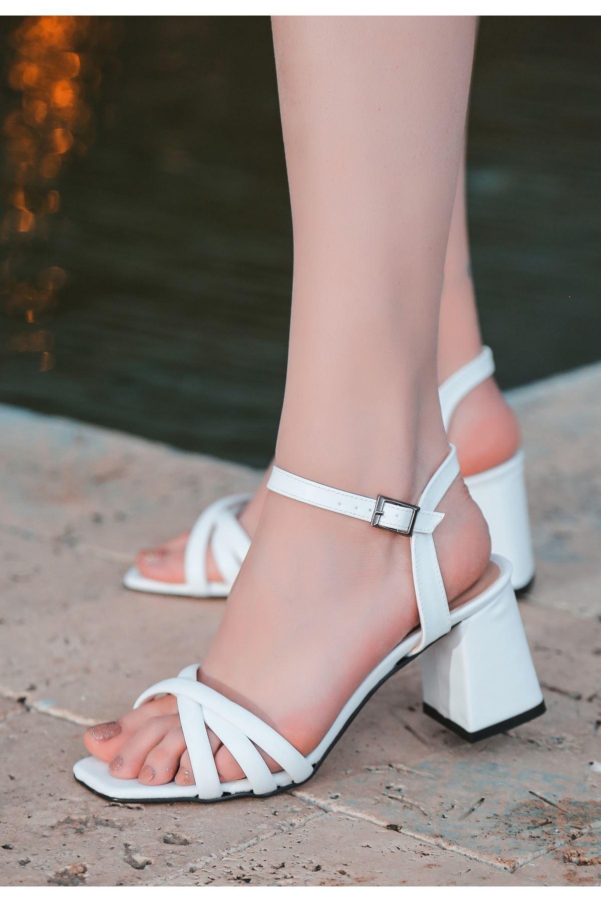 Ciani Beyaz Cilt Topuklu Ayakkabı