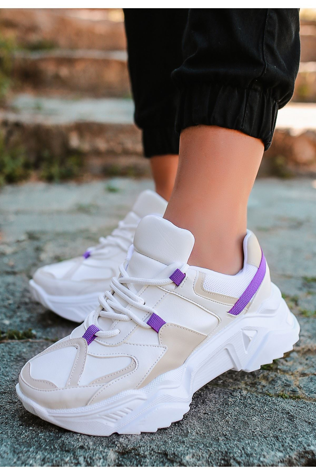 Leni Ten Cilt Mor Detaylı Spor Ayakkabı