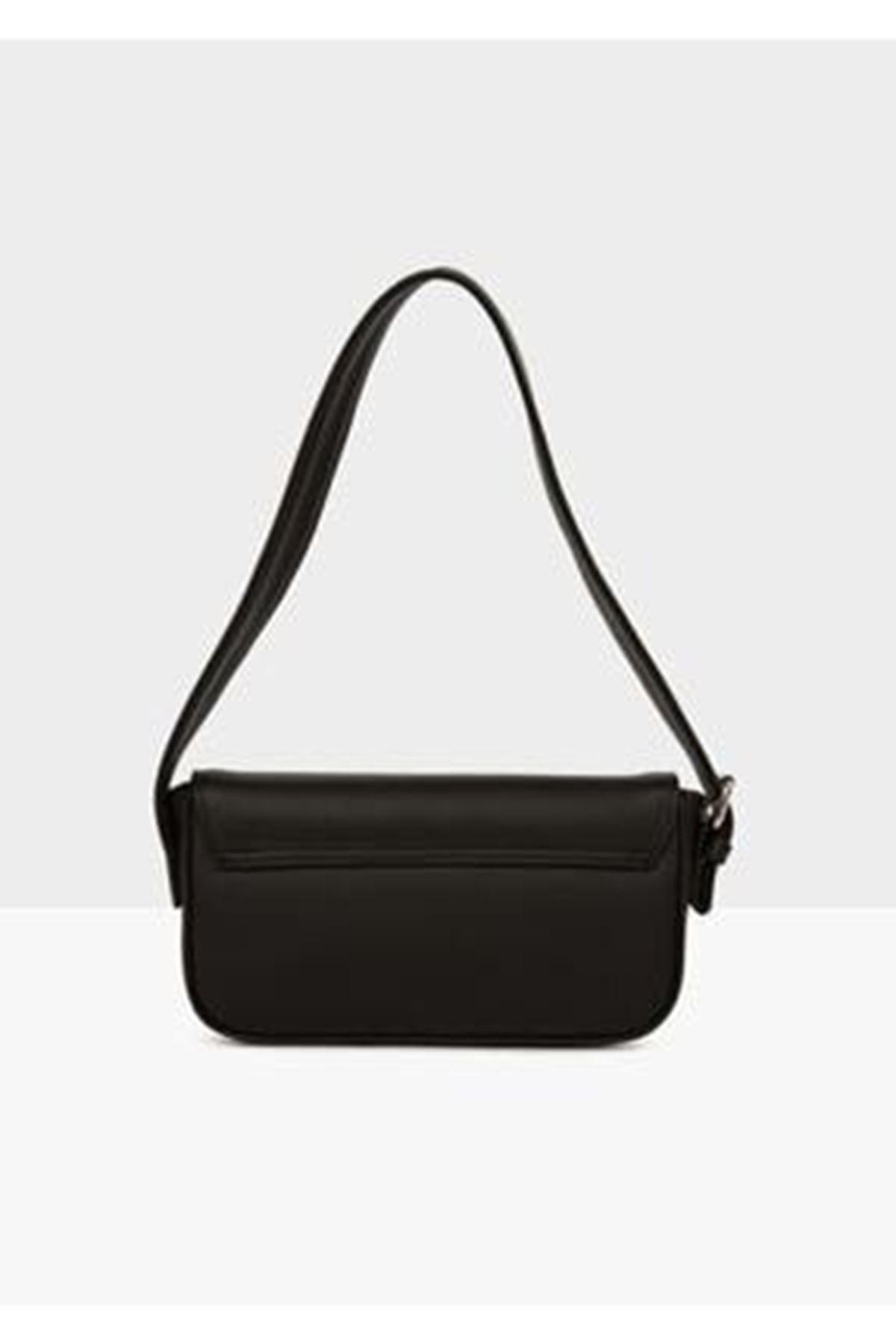 Tarta Siyah Cilt Kapaklı Baget Çanta