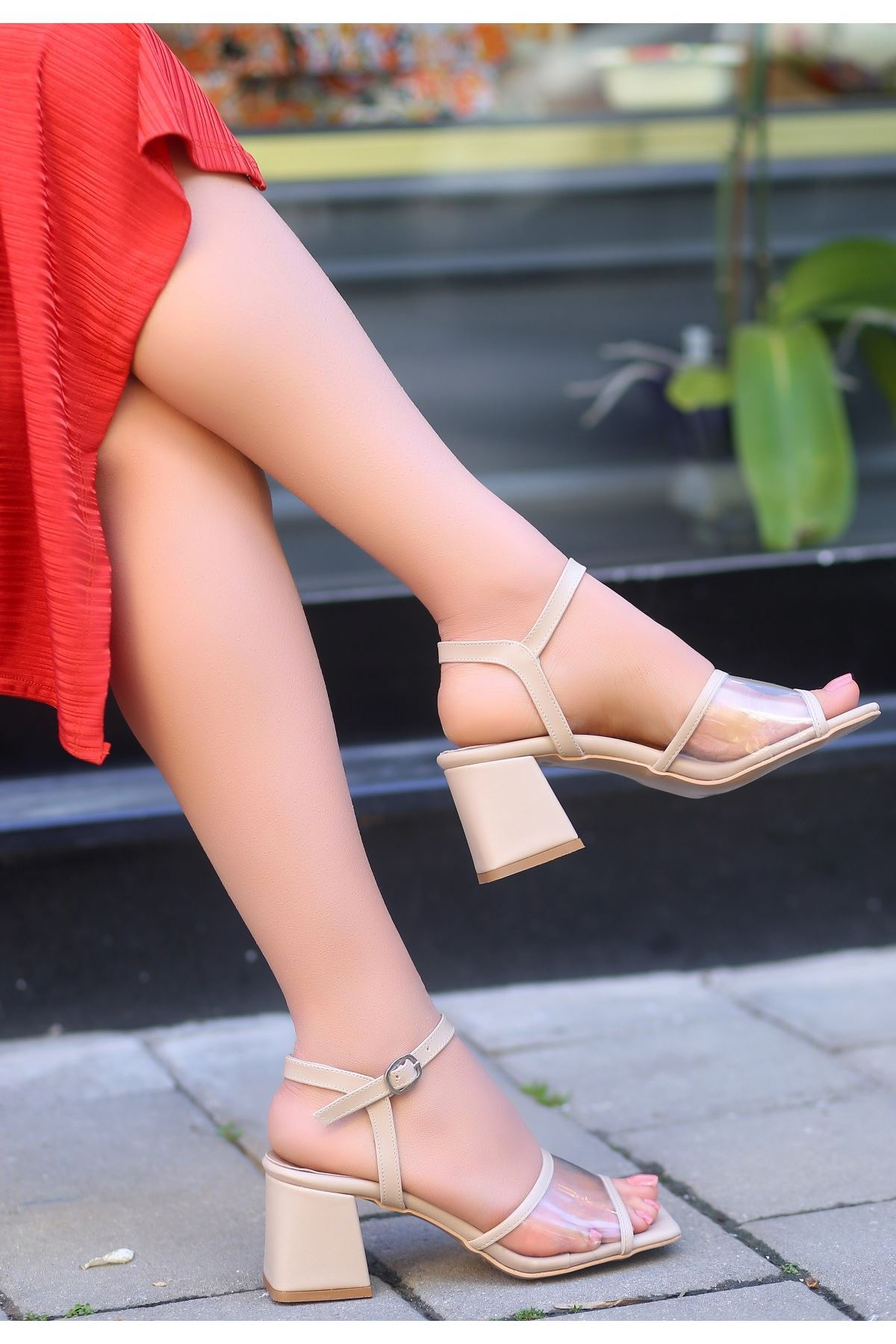 Riga Vizon Cilt Şeffaf Detaylı Topuklu Ayakkabı