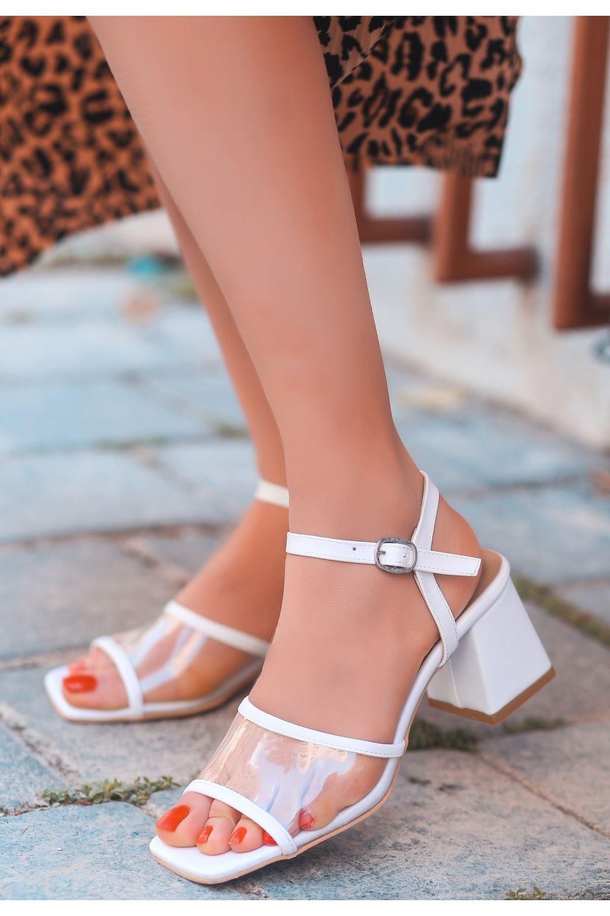 Riga Beyaz Cilt Şeffaf Detaylı Topuklu Ayakkabı