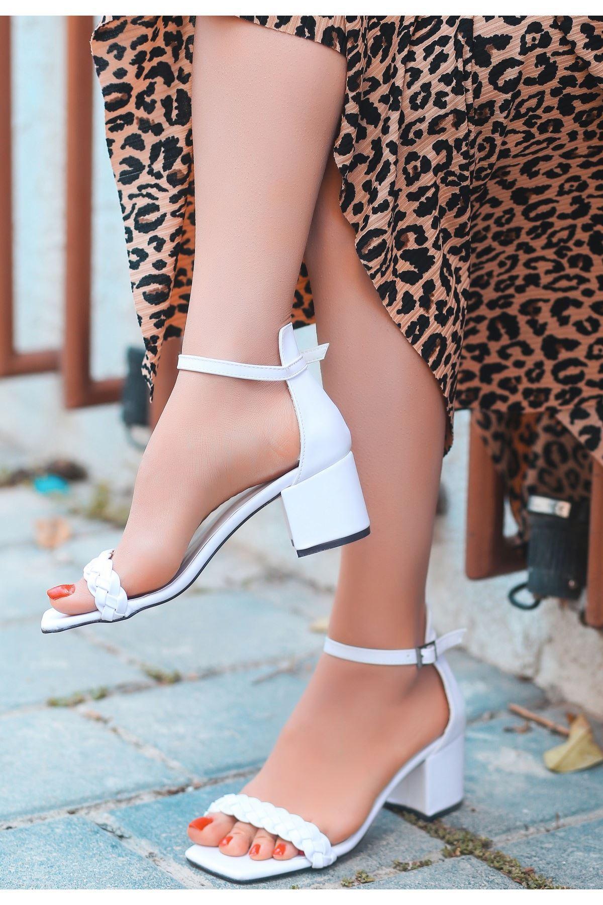 Jinda Beyaz Cilt Topuklu Ayakkabı
