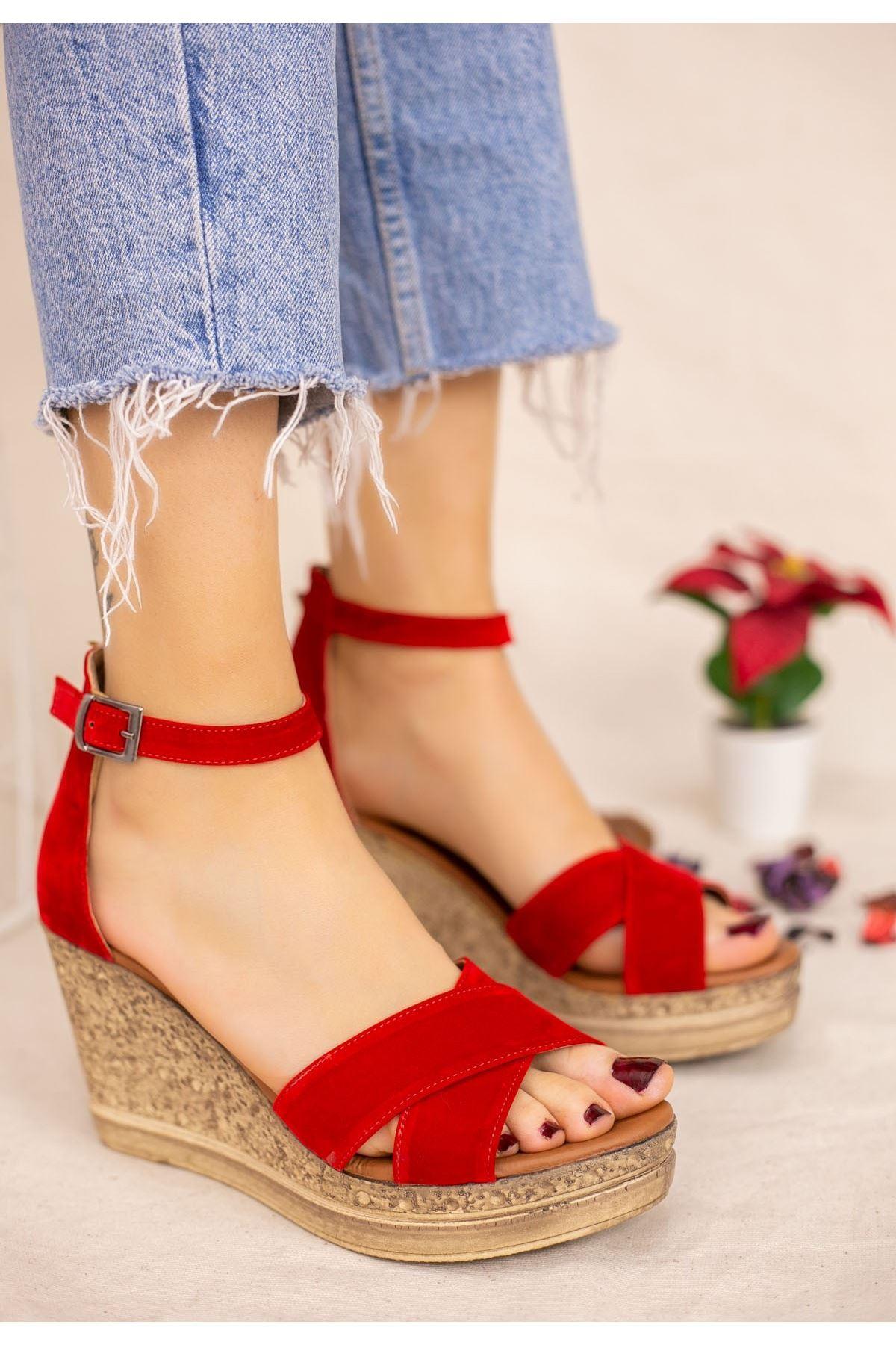 Petro Kırmızı Süet Dolgu Topuk Sandalet