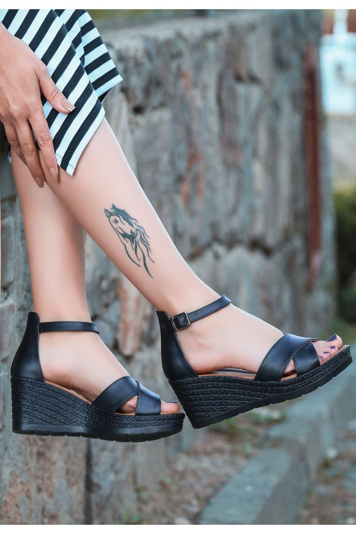 Ertu Siyah Cilt Siyah Dolgu Topuk Sandalet
