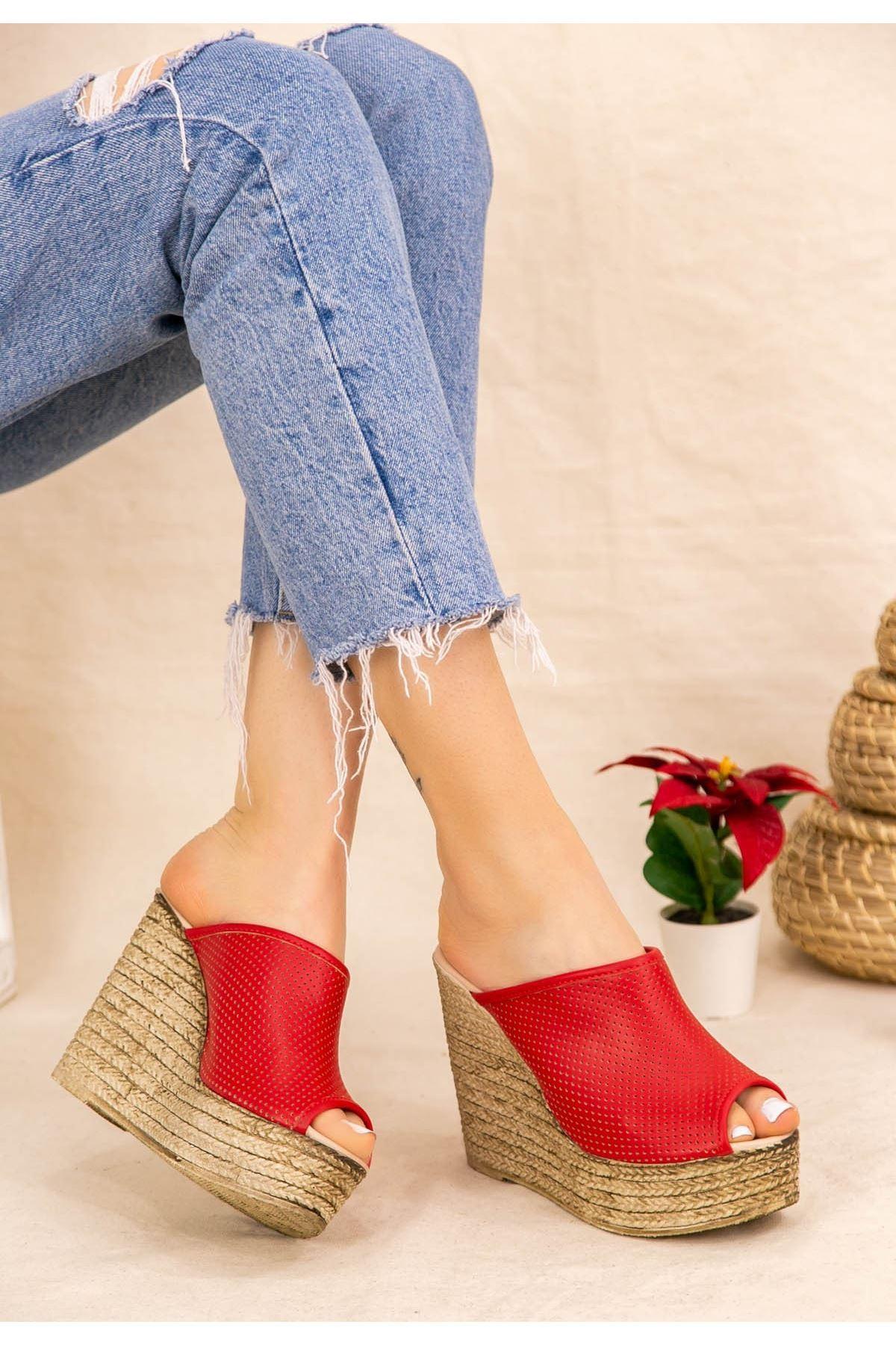 Jannifer Kırmızı Cilt Fileli Dolgu Topuk Terlik
