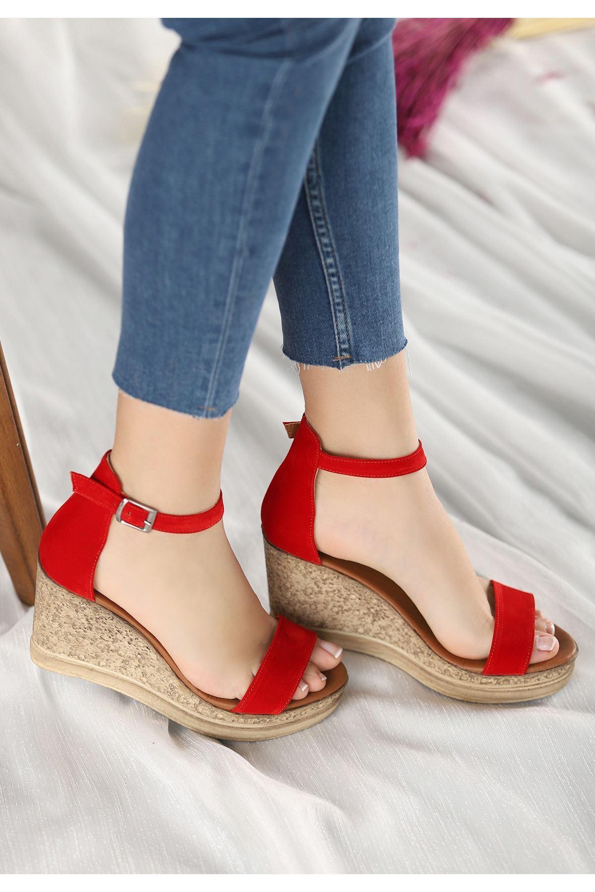 Dran Kırmızı Süet Dolgu Topuk Sandalet