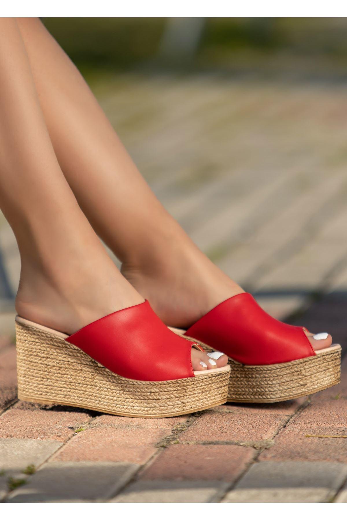 Hanna Kırmızı Cilt Dolgu Topuk Terlik