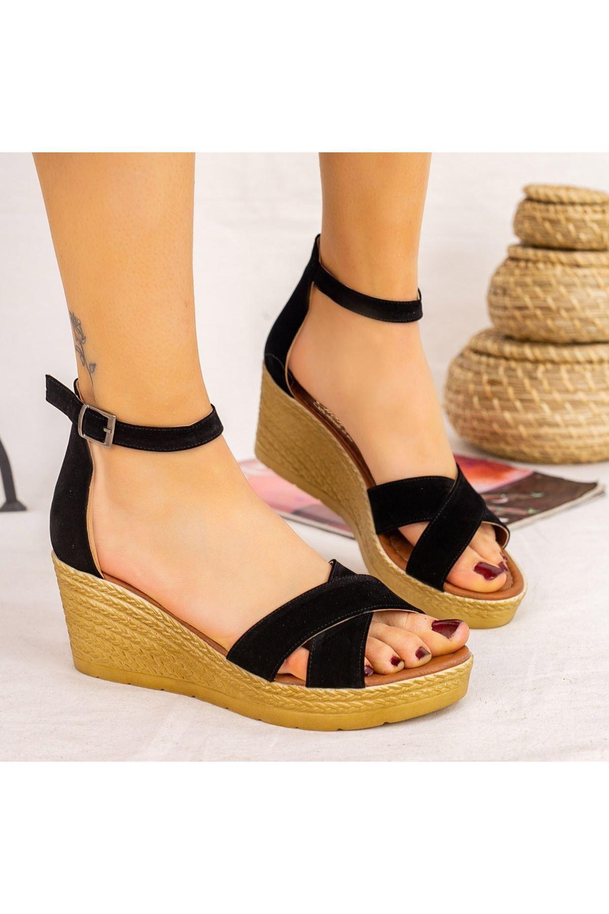 Ertu Siyah Süet Dolgu Topuk Sandalet
