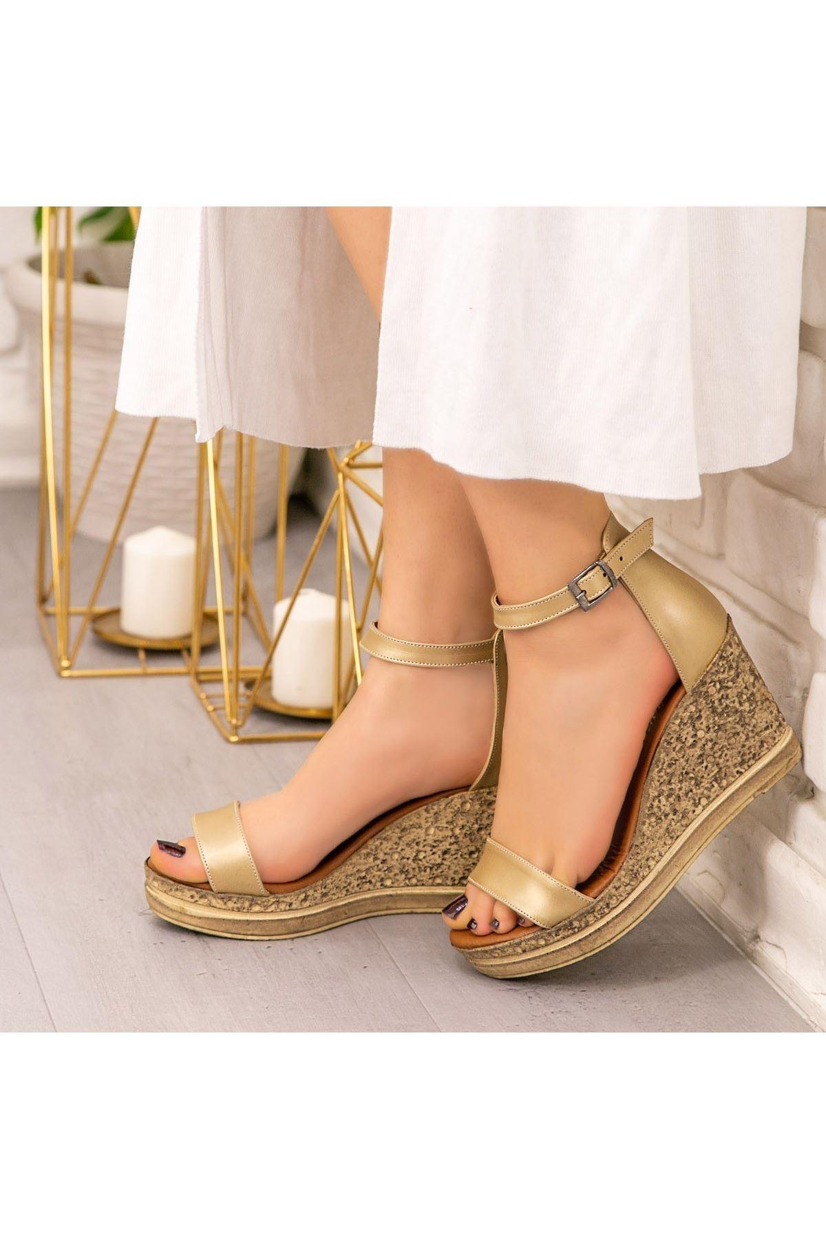 Dran Gold Cilt Dolgu Topuk Sandalet