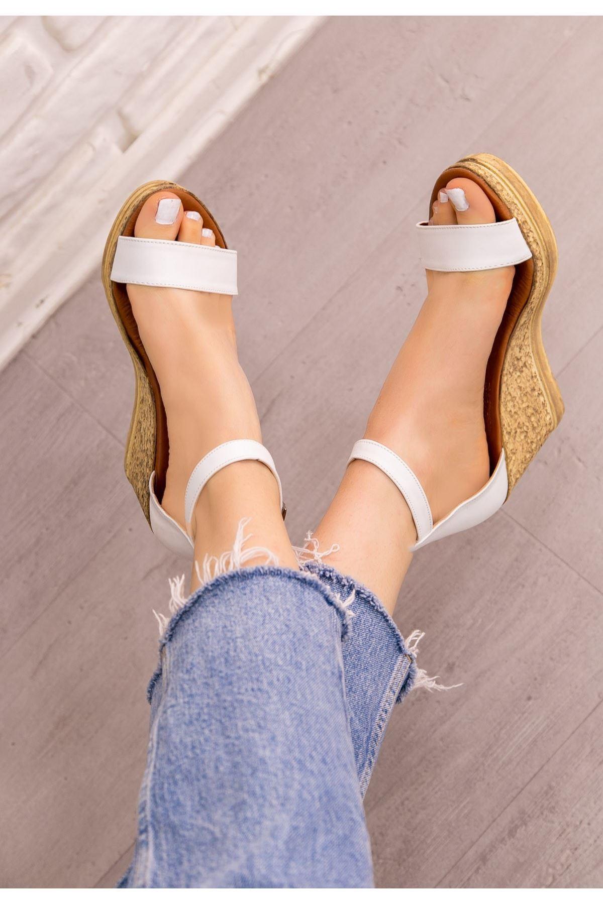Dran Beyaz Cilt Dolgu Topuk Sandalet
