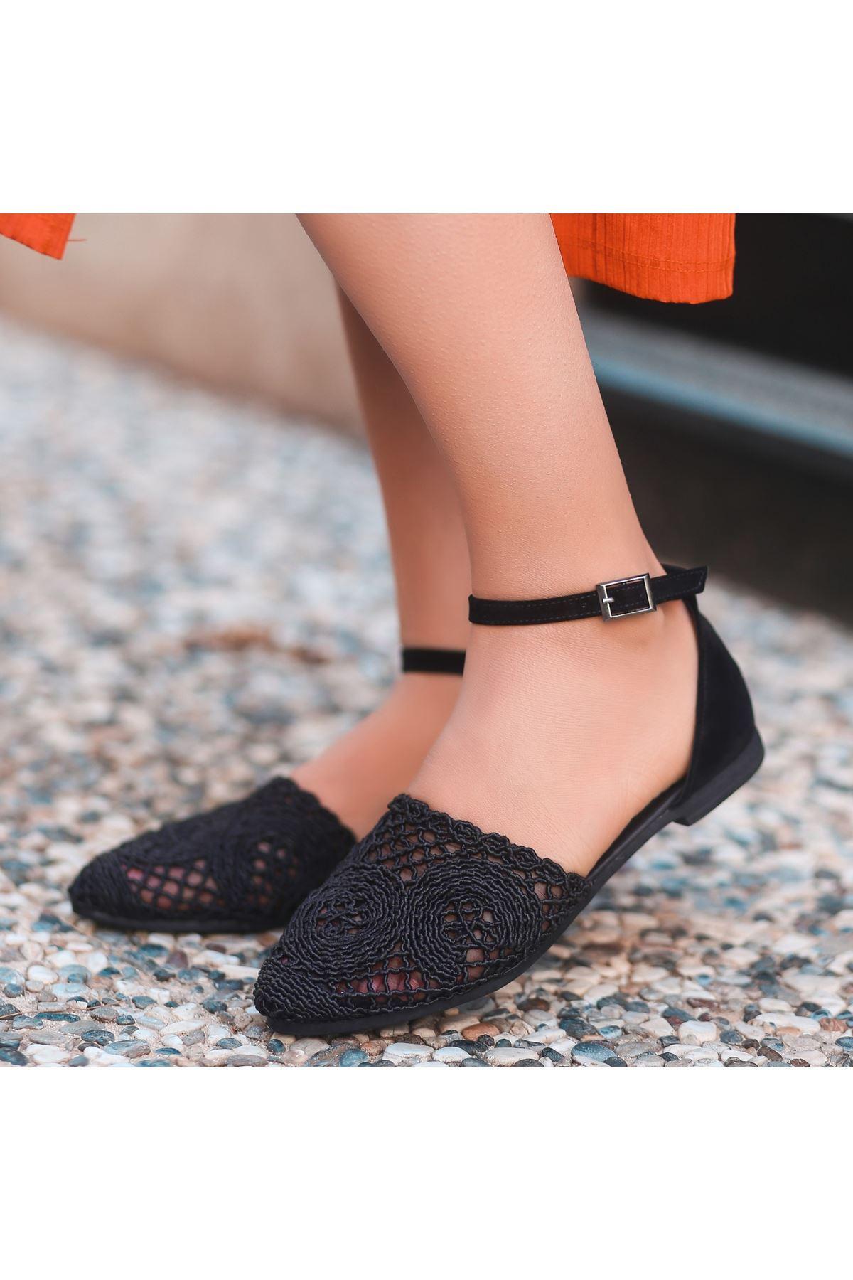 Acir Siyah Örgülü Sandalet
