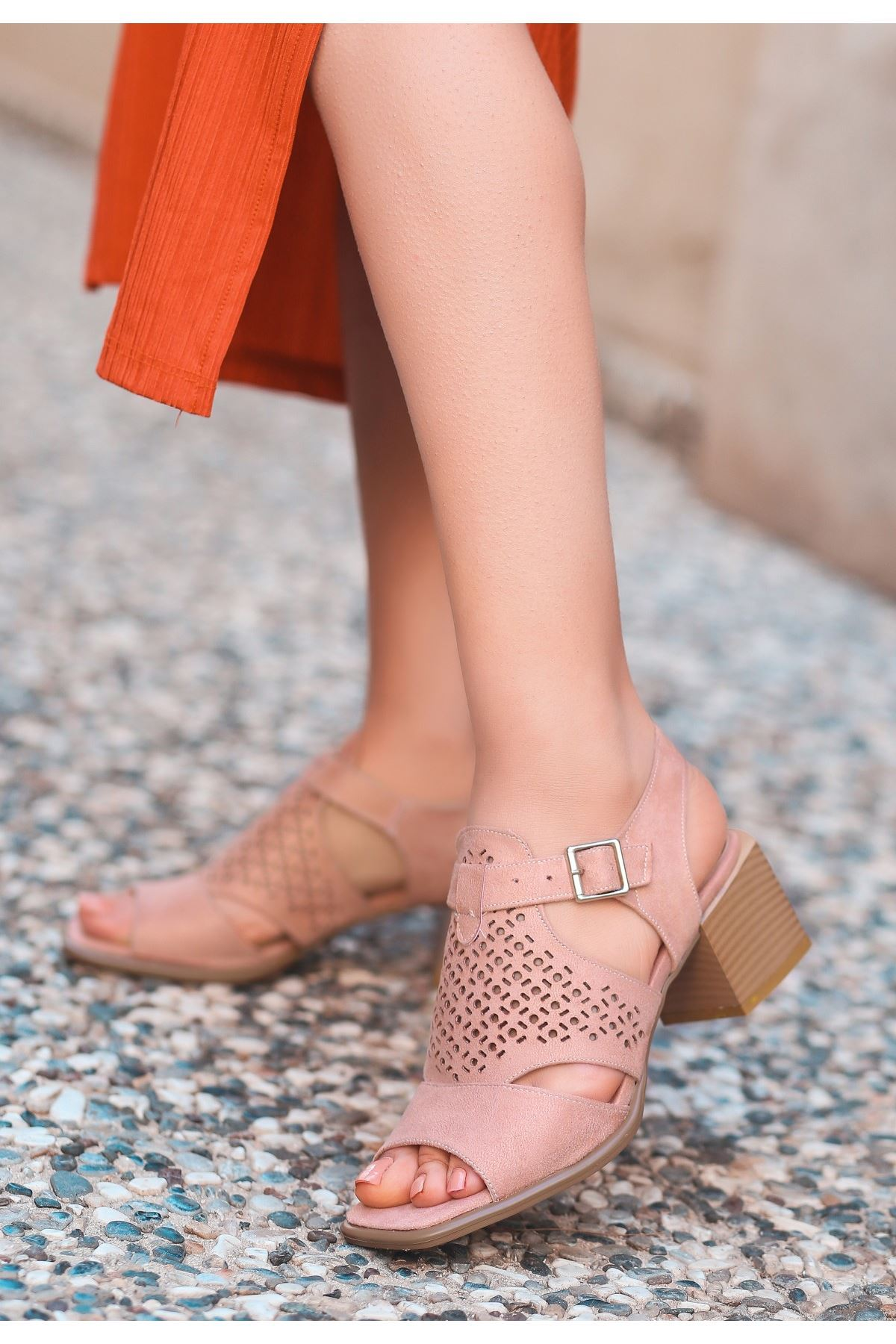 Leris Pudra Süet Topuklu Ayakkabı