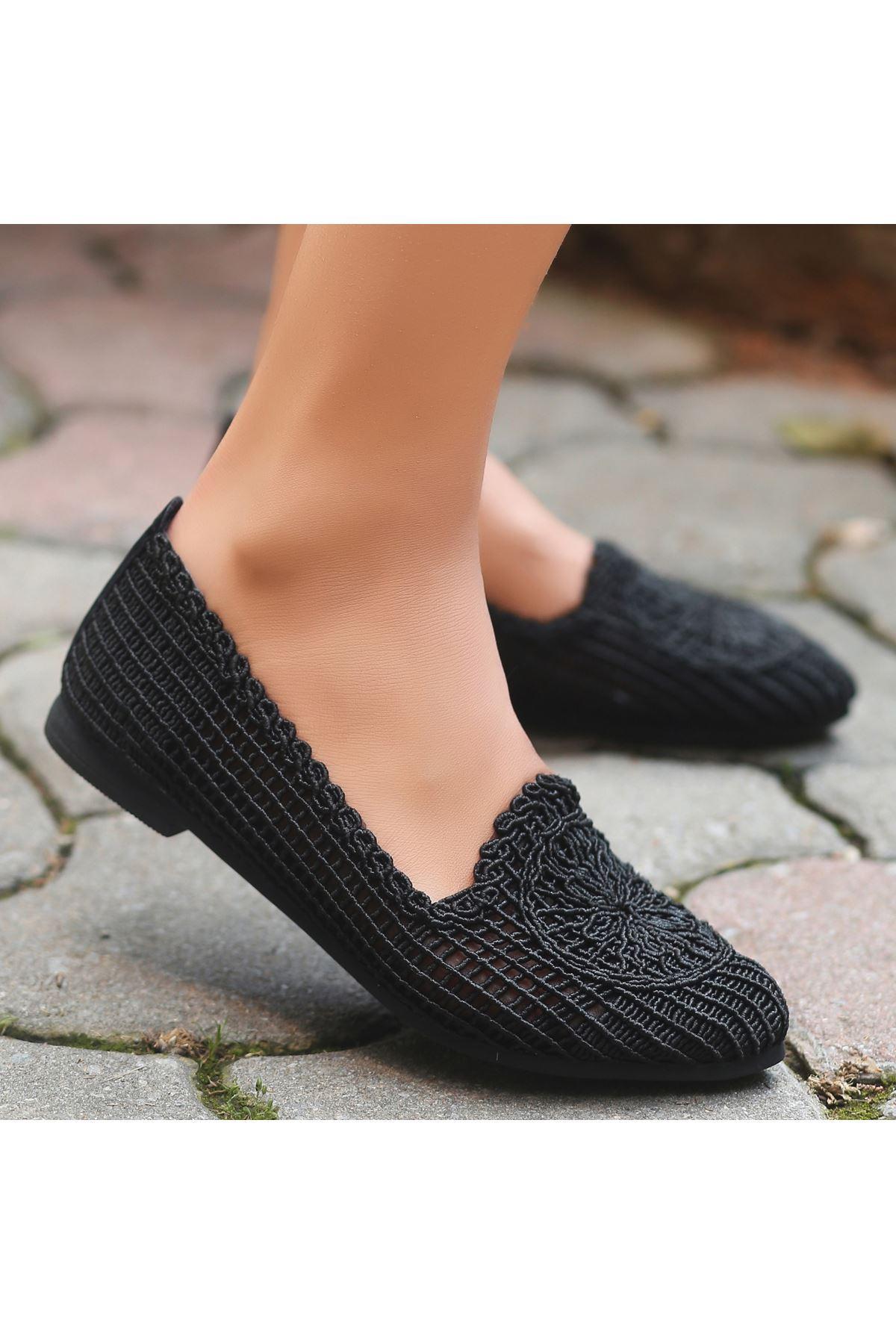 Rinz Siyah Örgülü Babet Ayakkabı