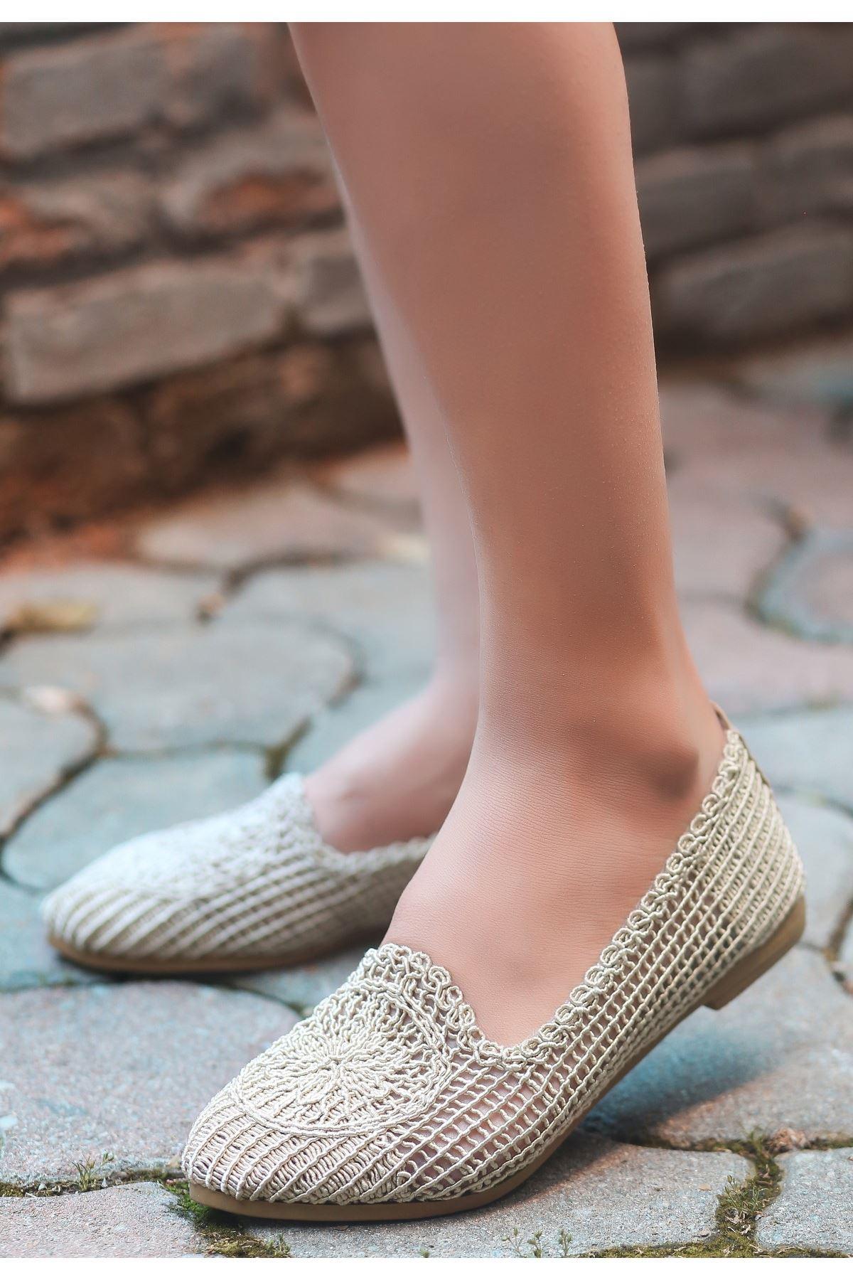 Rinz Krem Örgülü Babet Ayakkabı