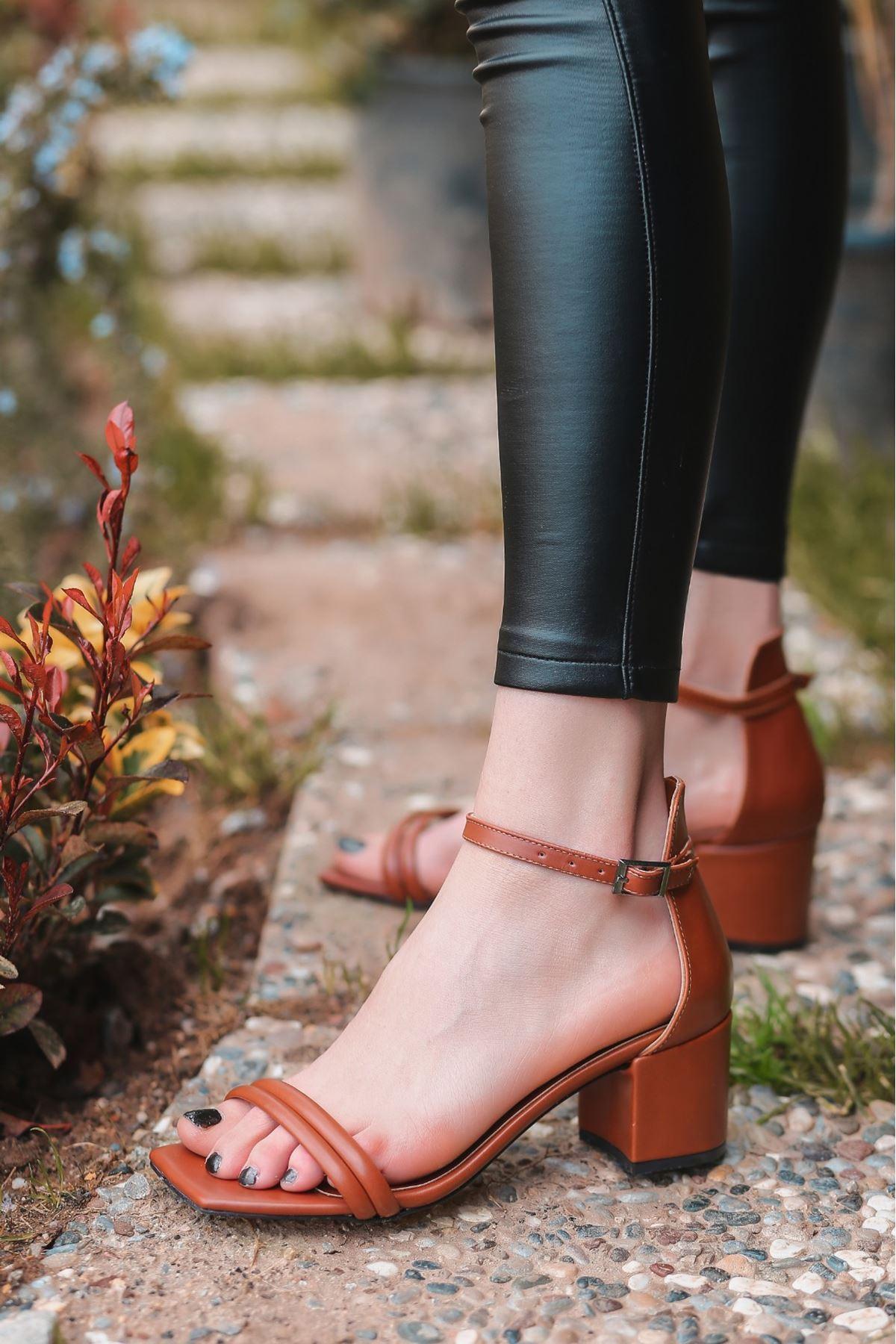 Esgax Taba Cilt Topuklu Ayakkabı