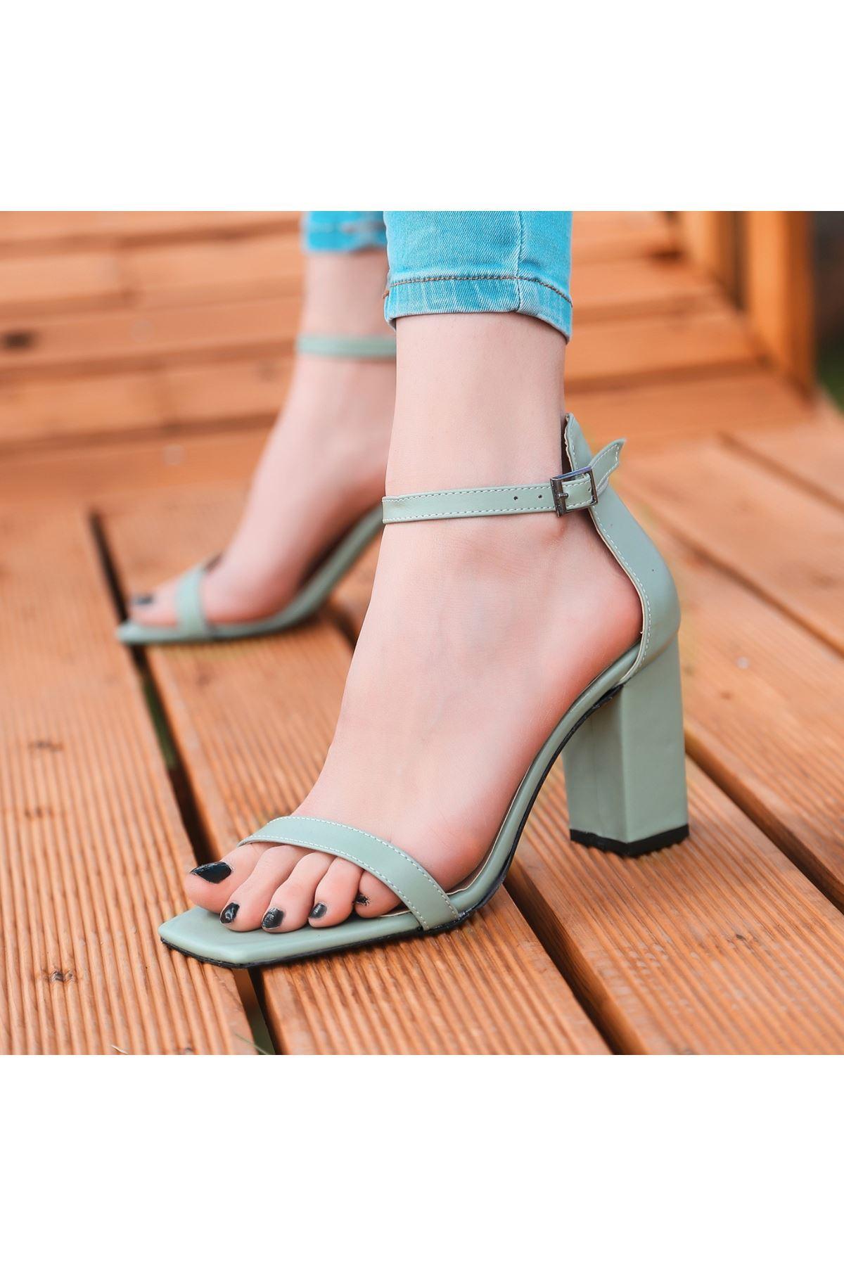 Siga Su Yeşili Cilt Topuklu Ayakkabı