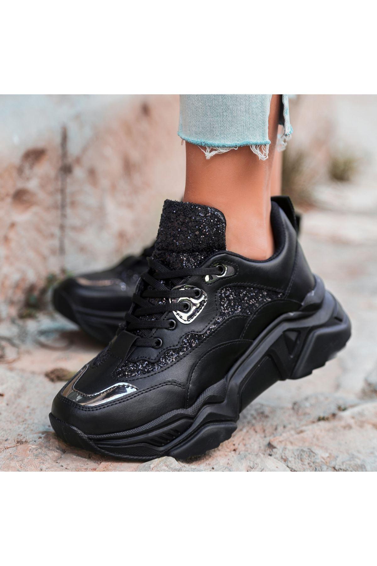 Meya Siyah Cilt Platin Detaylı Spor Ayakkabı