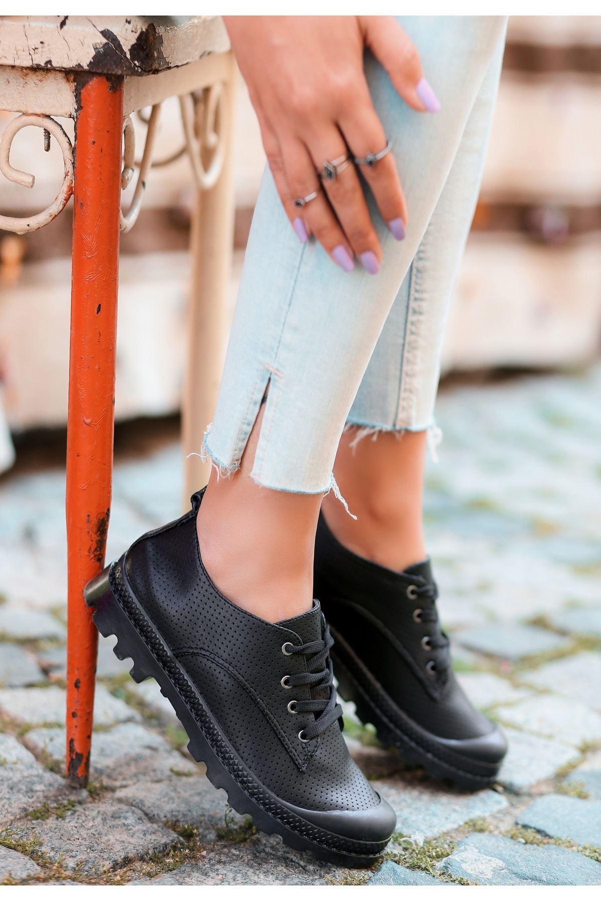 Mash Siyah Cilt Bağcıklı Spor Ayakkabı