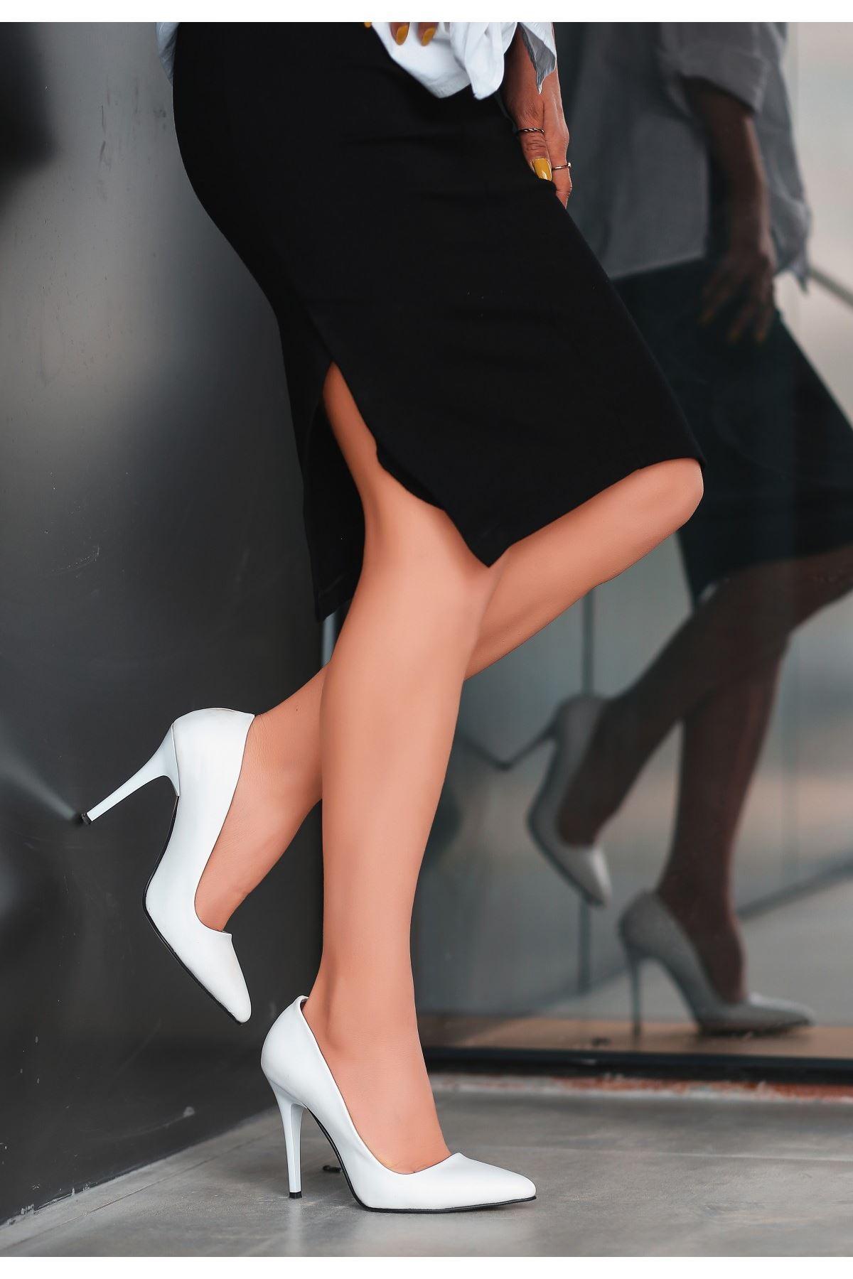 Reme Beyaz Cilt Stiletto Ayakkabı